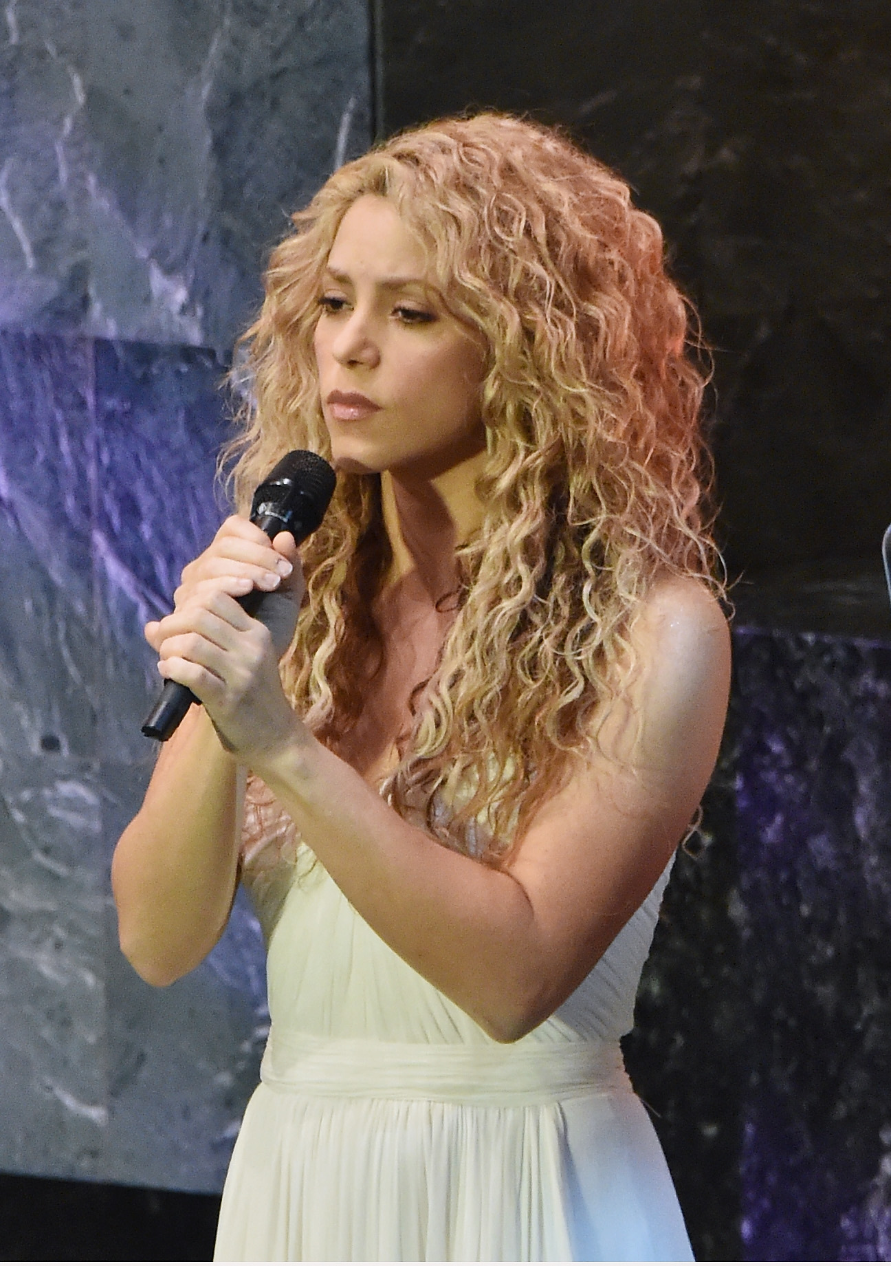 NEW YORK, NY - SEPTEMBER 25:  Singer Shakira performs at The United Nations General Assembly on September 25, 2015 in New York City.  (Photo by Mike Coppola/FilmMagic)
