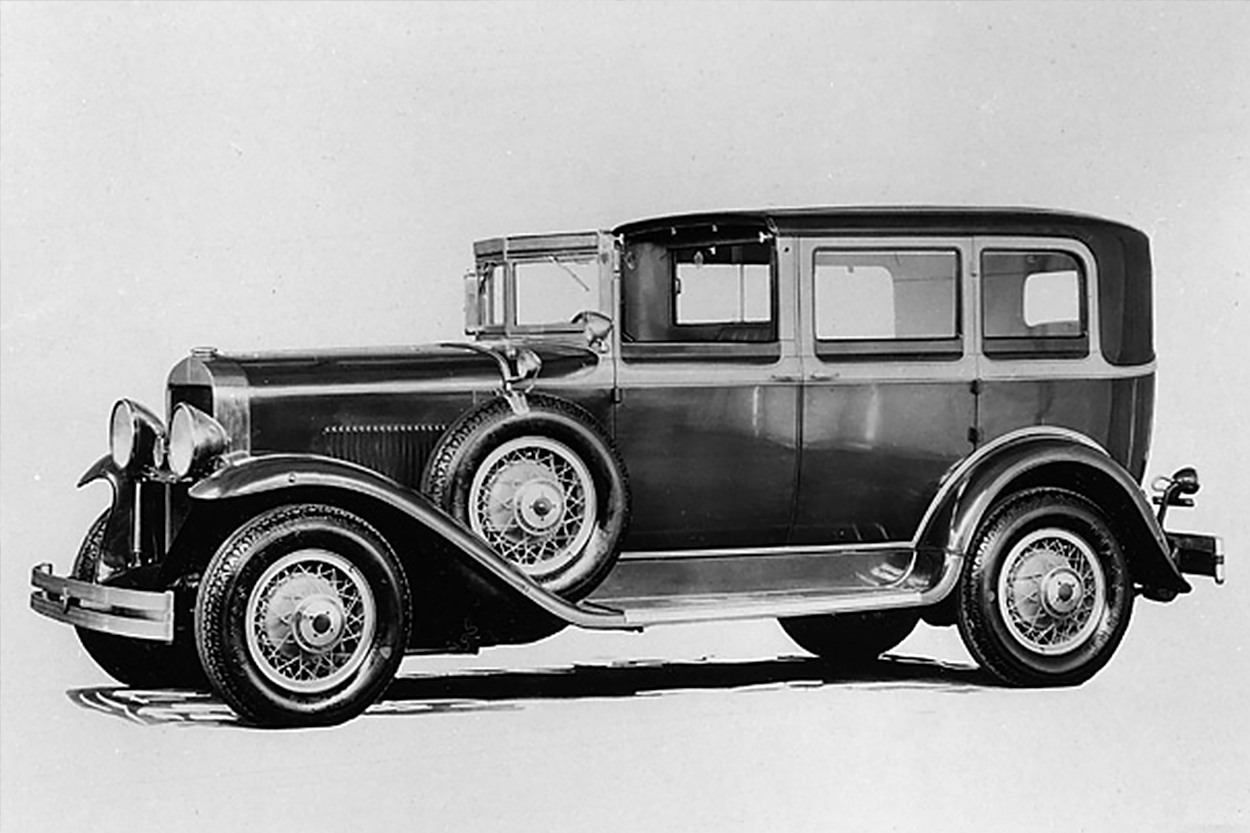 By the 1920s, as demand for autos boomed, industrialists had recognized the potential of the taxi market. Automobile manufacturers like General Motors and the Ford Motor Company began operating fleets of cabs. Here, a New York City yellow cab in 1929.