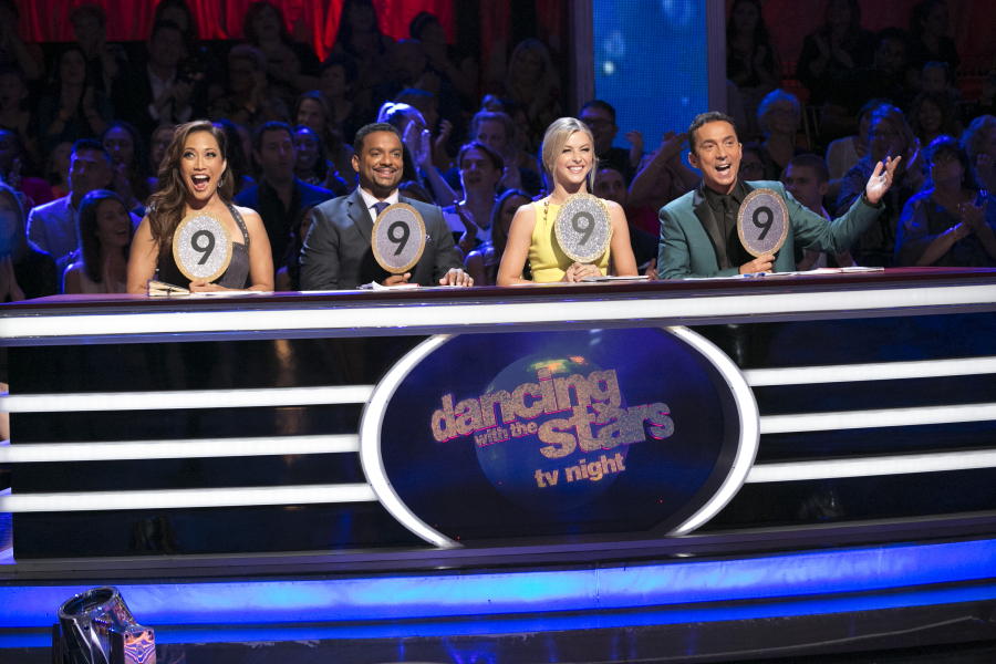 Season 19 Mirrorball Champion, Alfonso Ribeiro, returned to the ballroom for a special TV Night themed episode of  Dancing with the Stars  LIVE on Sept. 28 on the ABC Television Network.