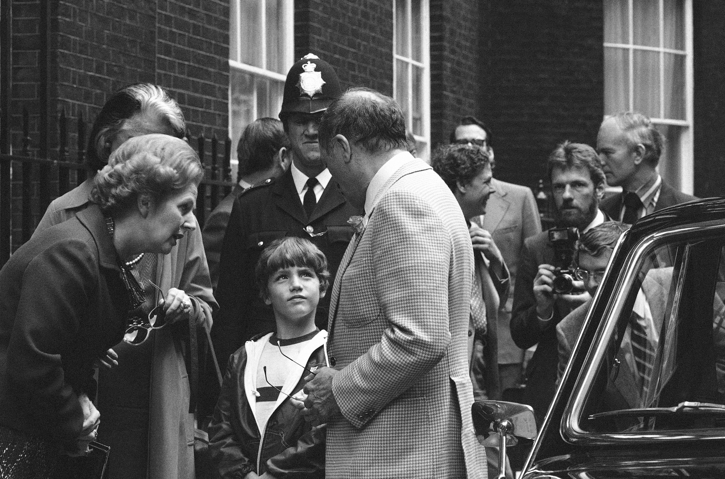 Margaret Thatcher, Pierre Trudeau and Justin Trudeau in London, in 1980.