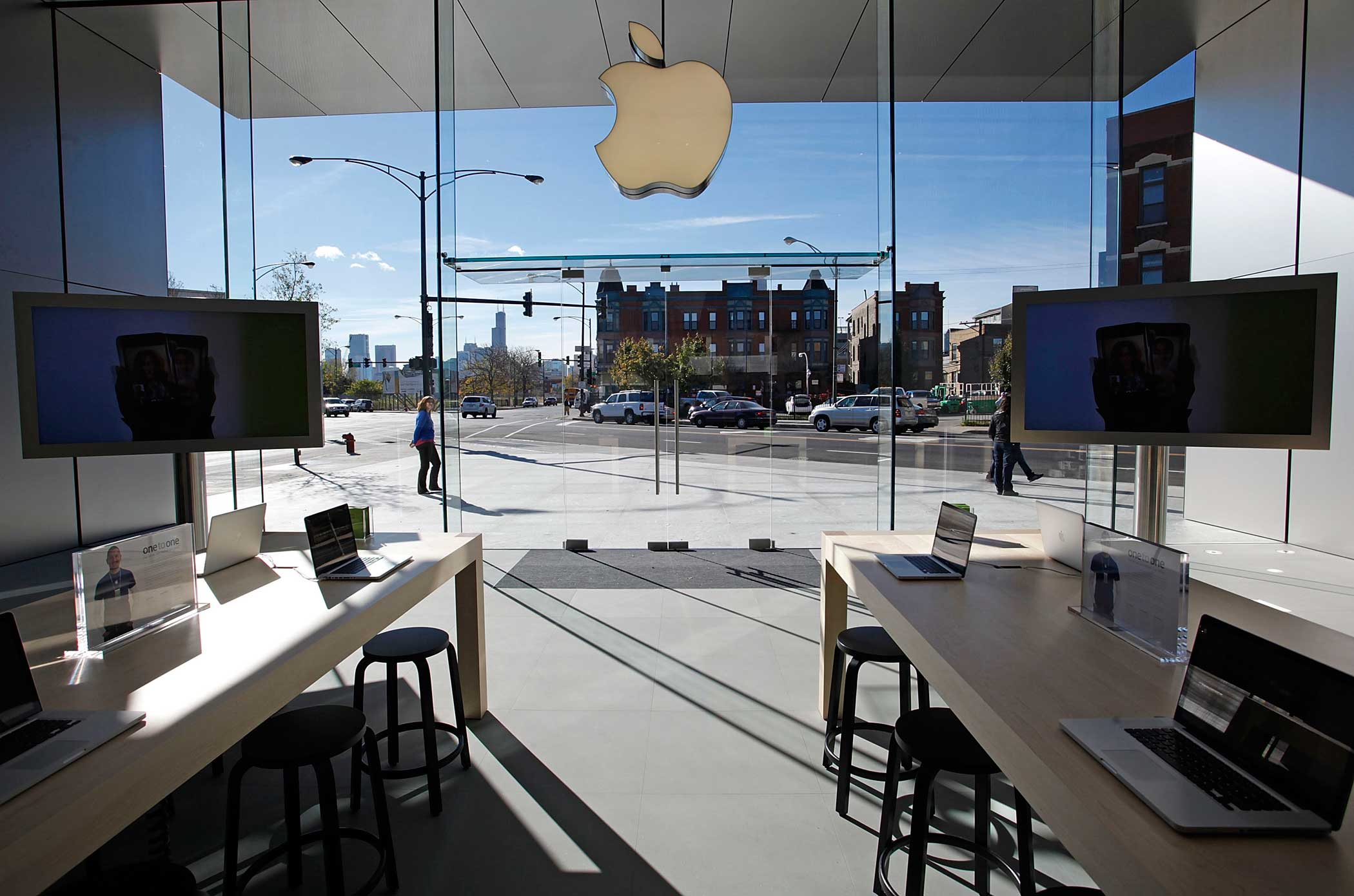 <b>Apple Store</b> The Chicago Apple Store.