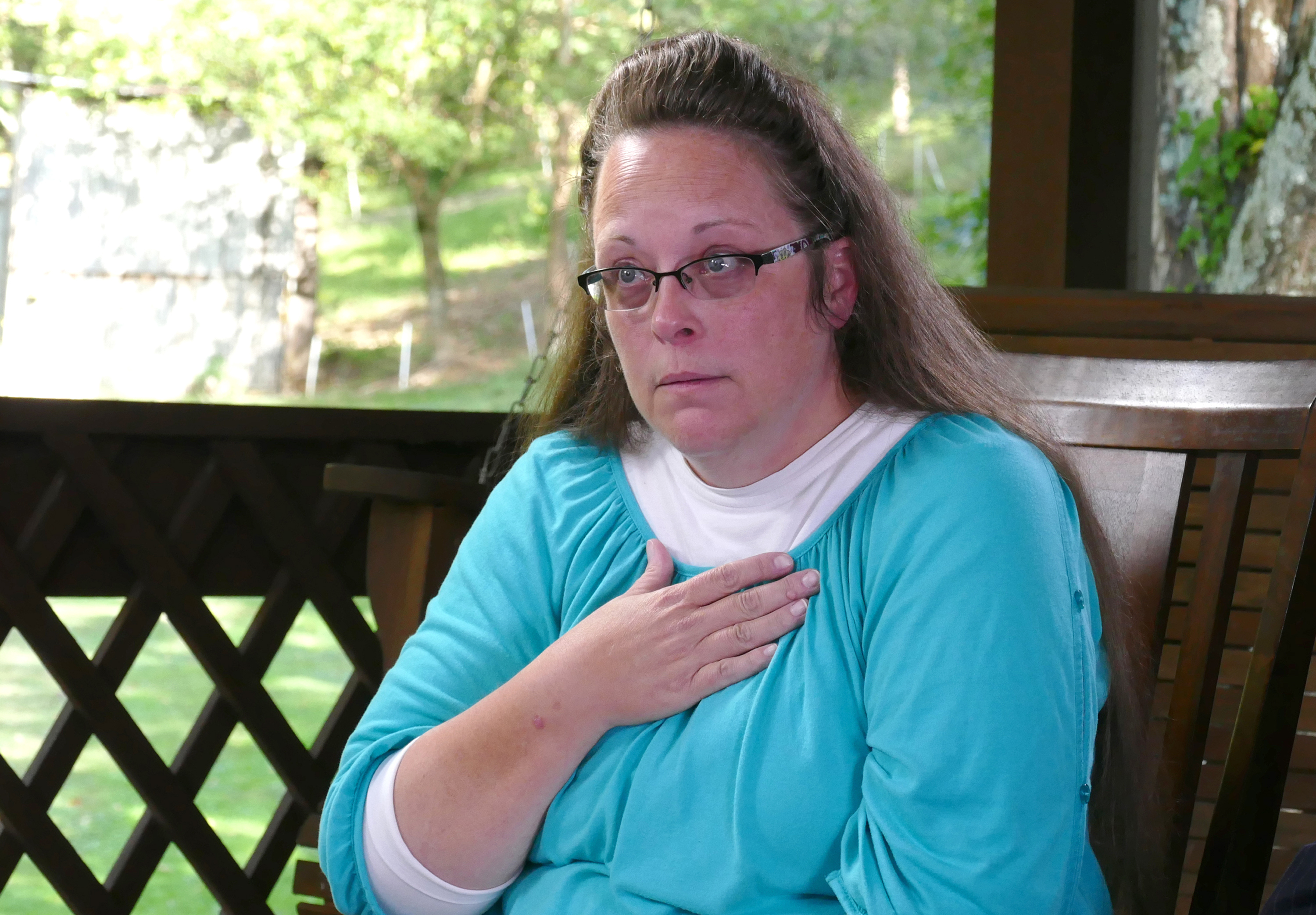 Paula Faris speaks to Kim Davis, the Kentucky court clerk who went to jail because she refused to issue gay marriage licenses on ABC News