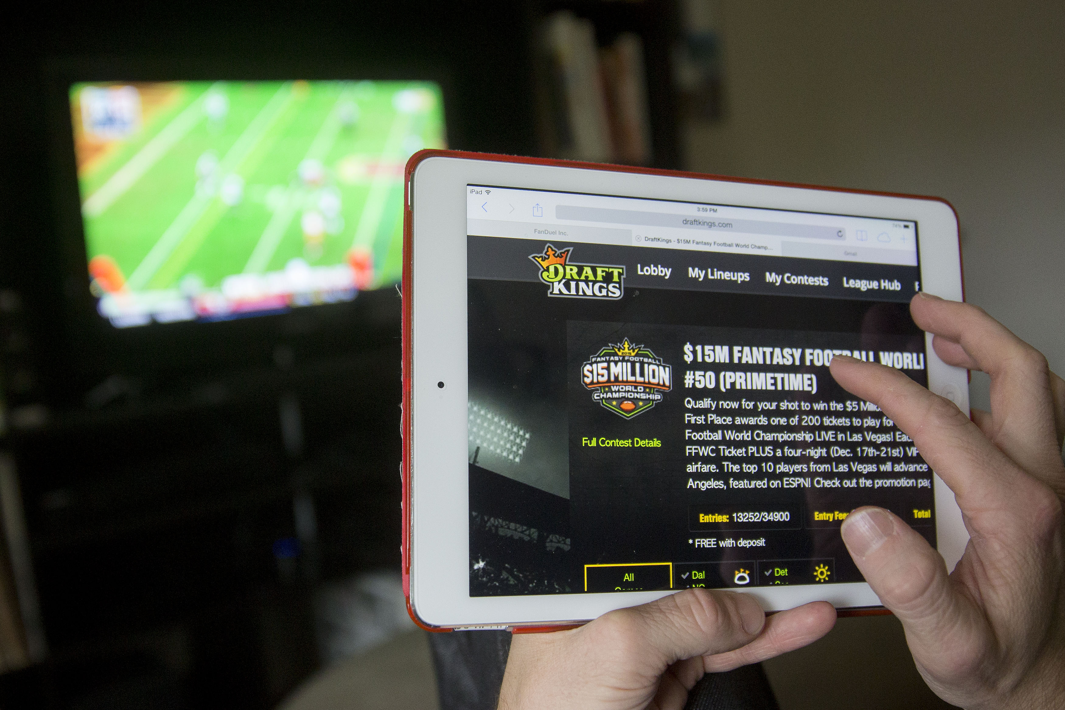 The DraftKings Inc. website is arranged for a photograph in Washington, D.C., on Oct. 4, 2015.