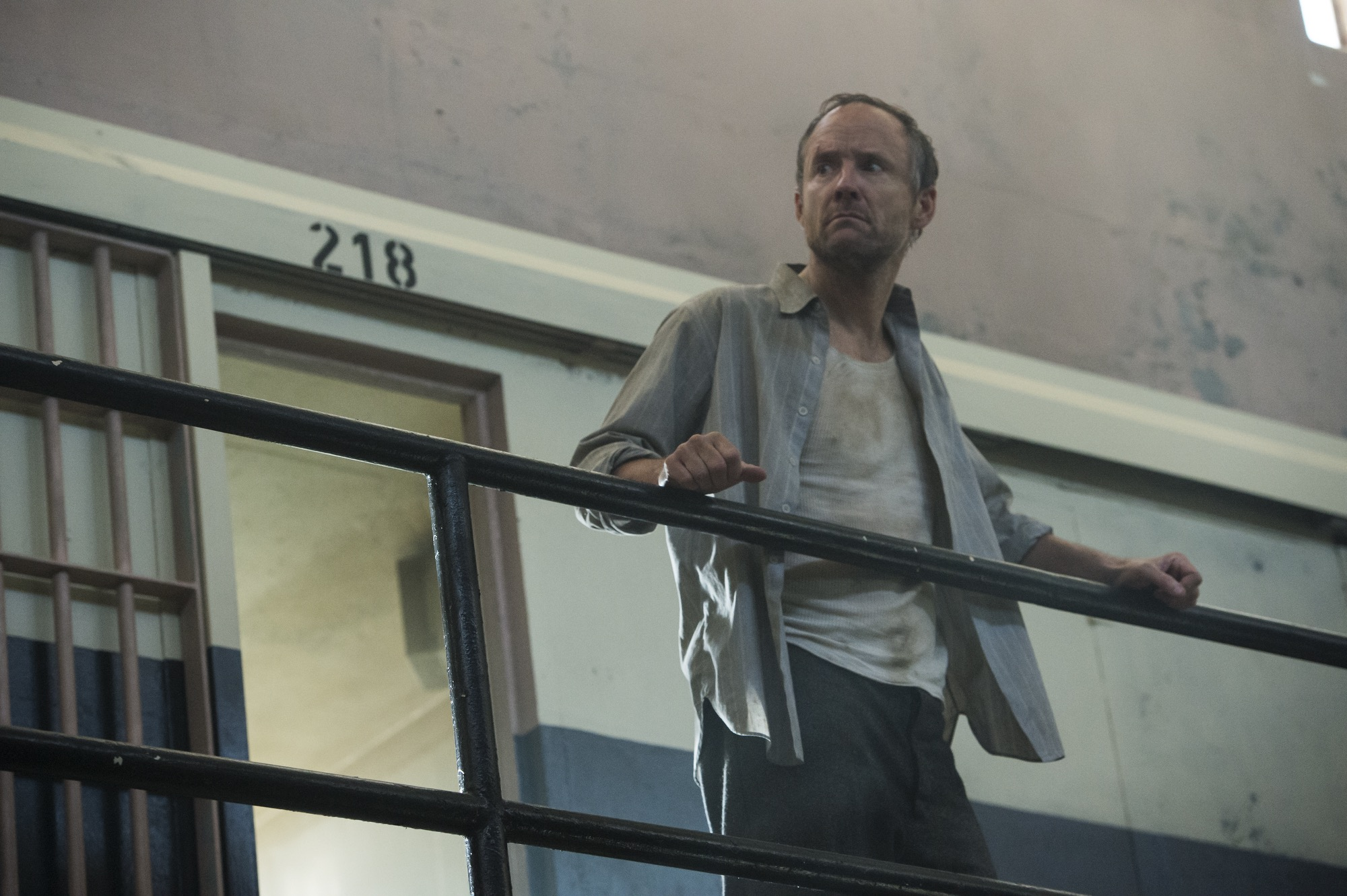 John Benjamin Hickey as Frank Winter in season two of Manhattan