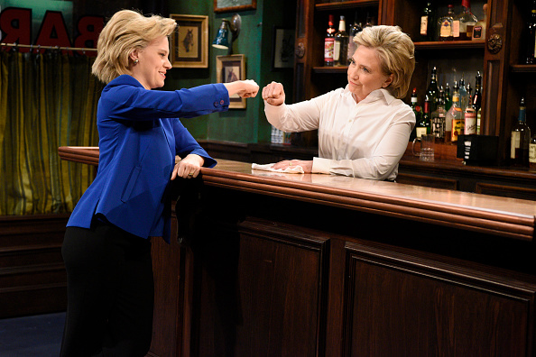 Kate McKinnon as Hillary Clinton and Hillary Clinton a Val during the  Bar Talk  sketch on October 3, 2015.