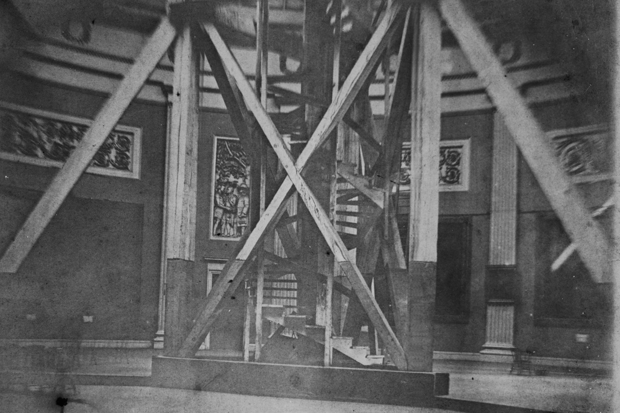 A photo commissioned by engineer of the Capitol, Montgomery Meigs, circa 1860 shows the Capitol Rotunda with base of the scaffold used to build the dome.