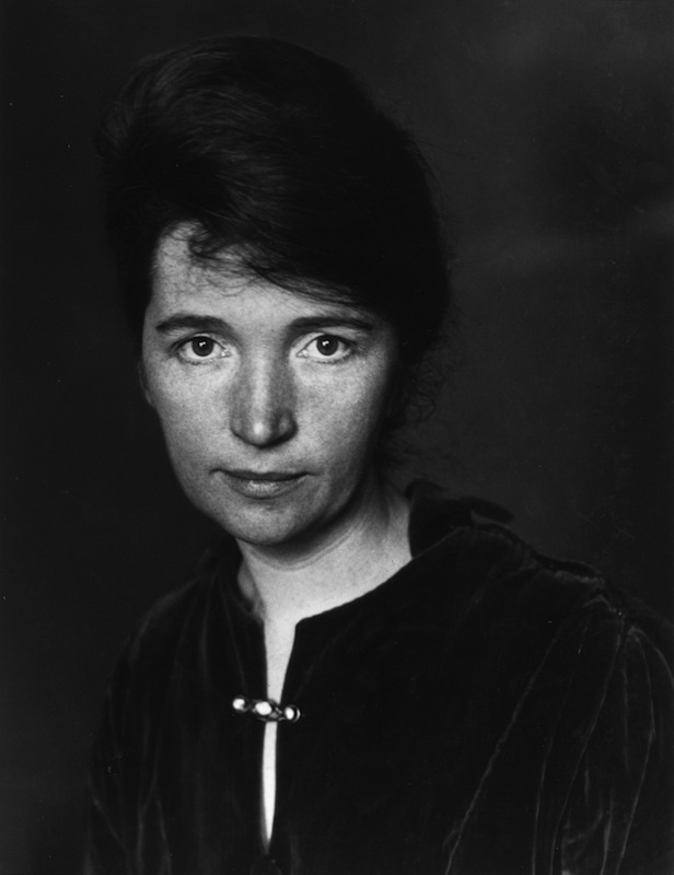 circa 1915:  Studio headshot portrait of American social reformer Margaret Sanger, founder of the birth control movement.