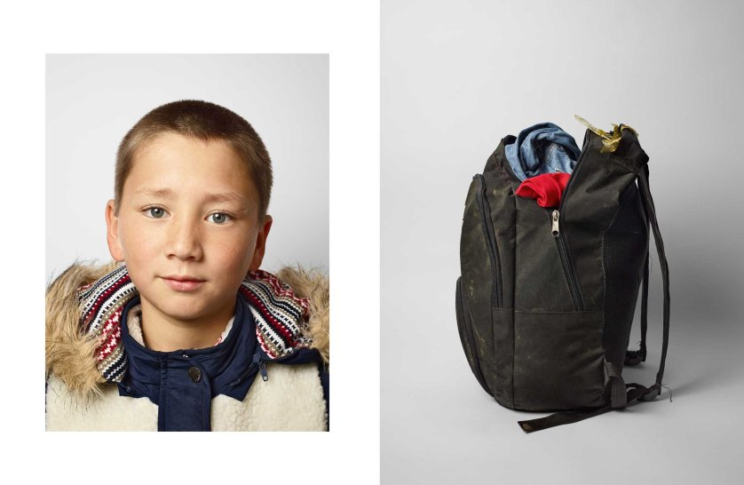 things-they-carried-refugees-nickelsdorf-james-mollison-02