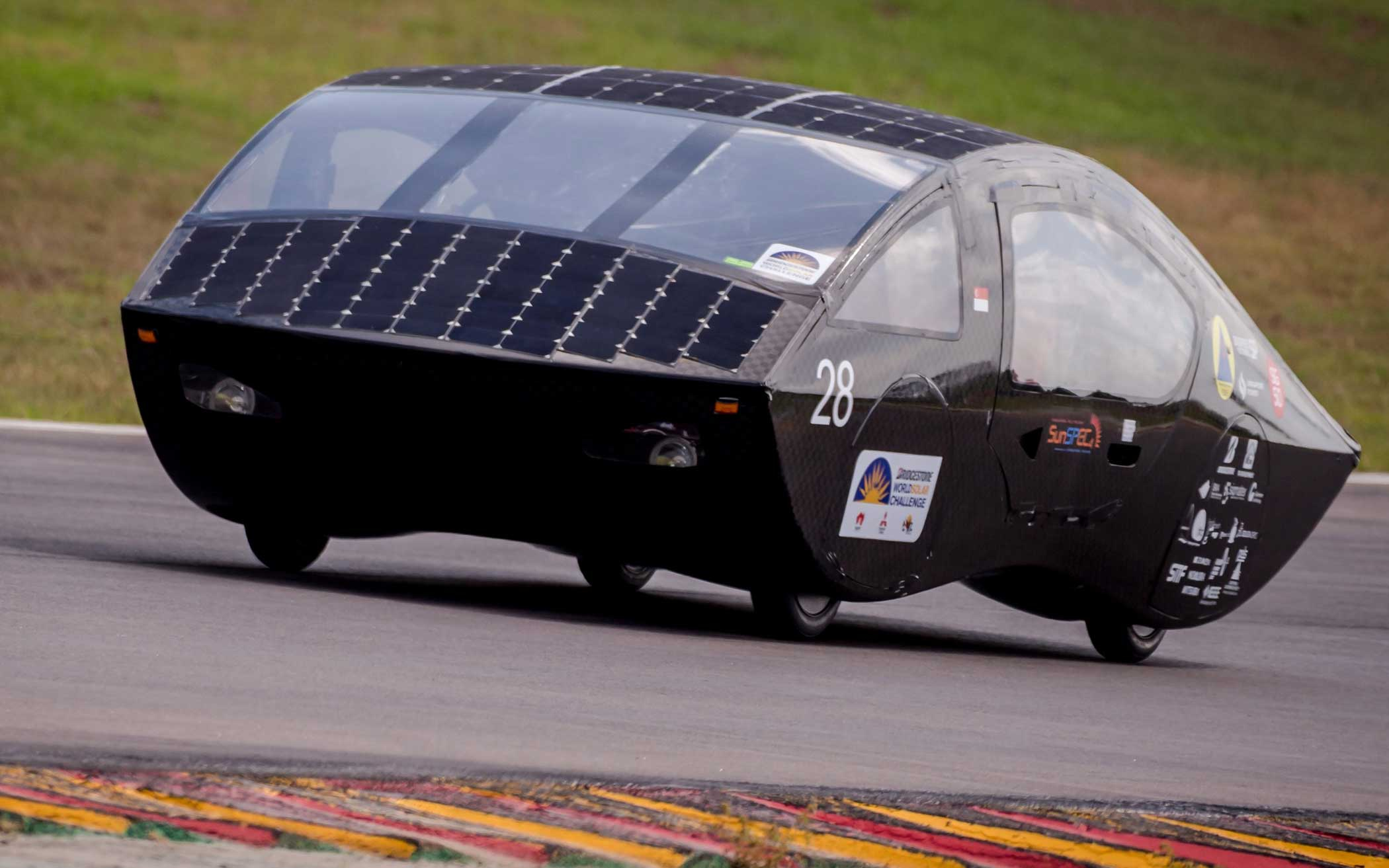The SunSPEC car from Singapore competes during the qualification lap on Oct. 17, 2015.