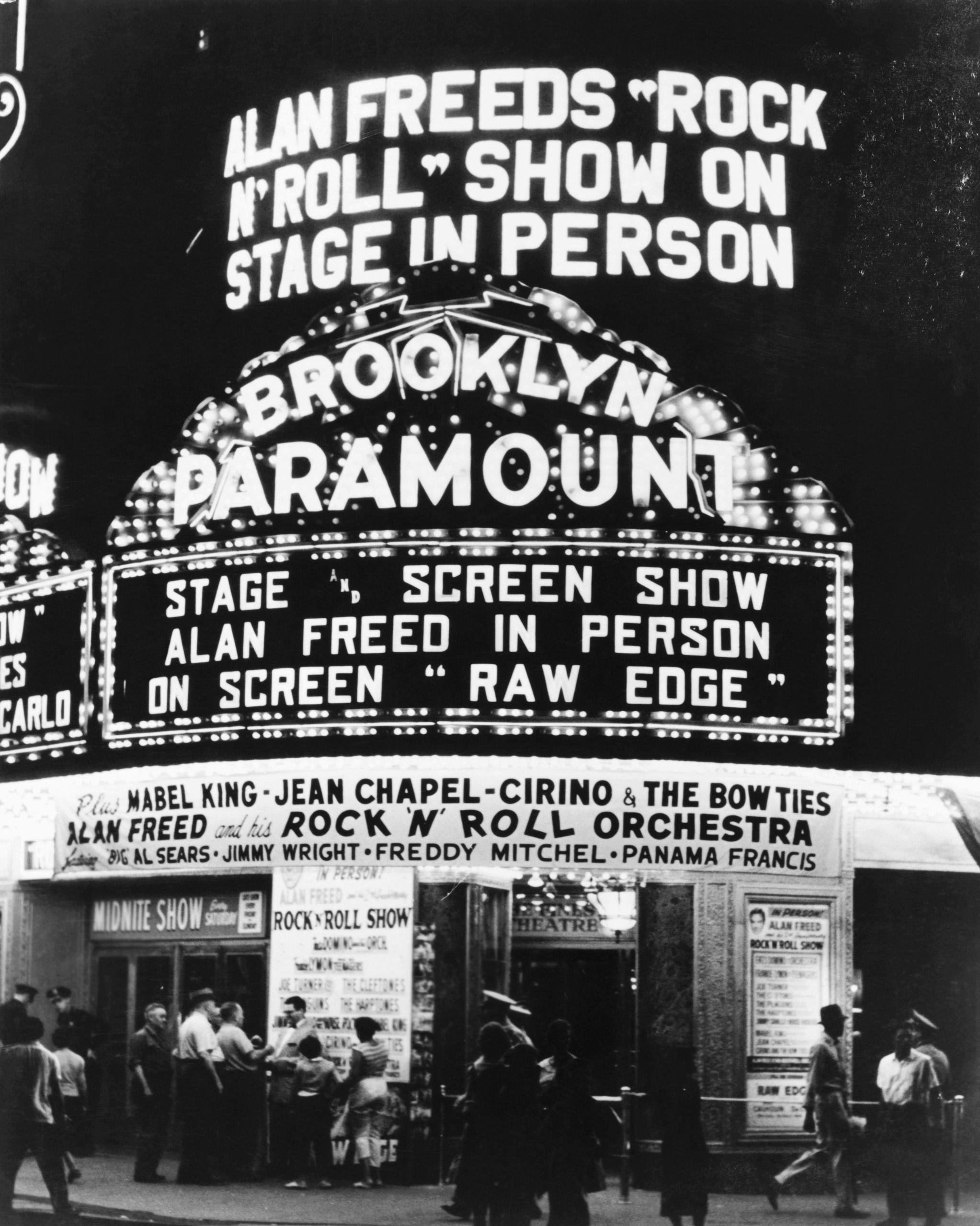 Photo of Marquees Venues, 1956, New York, Flatbush and DeKalb, Brooklyn Paramount Theatre.