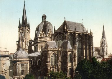 Exterior view of the Aachen Cathedral: Octagon (colored picture)- 1927