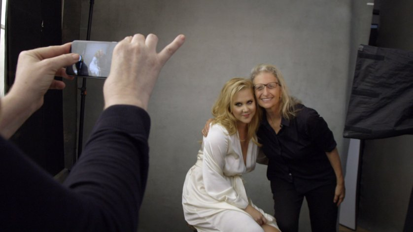 Amy Schumer and Annie Leibovitz behind the scenes for the 2016 Pirelli Calendar shoot.