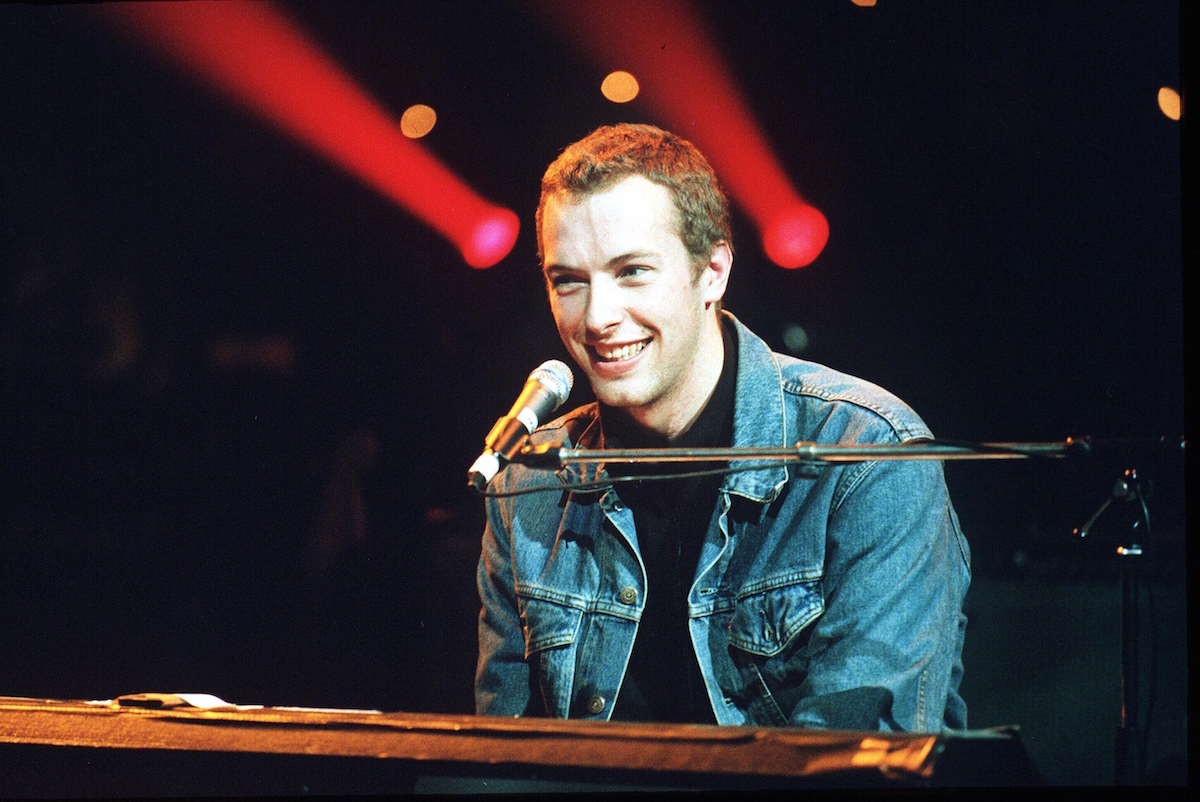 Coldplay's Chris Martin performs in London in Dec. 2000