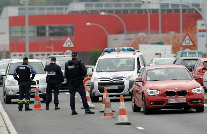 Police controls vehicles leaving France towards Spain at the border post of Hendaye, France on Nov. 14, 2015.