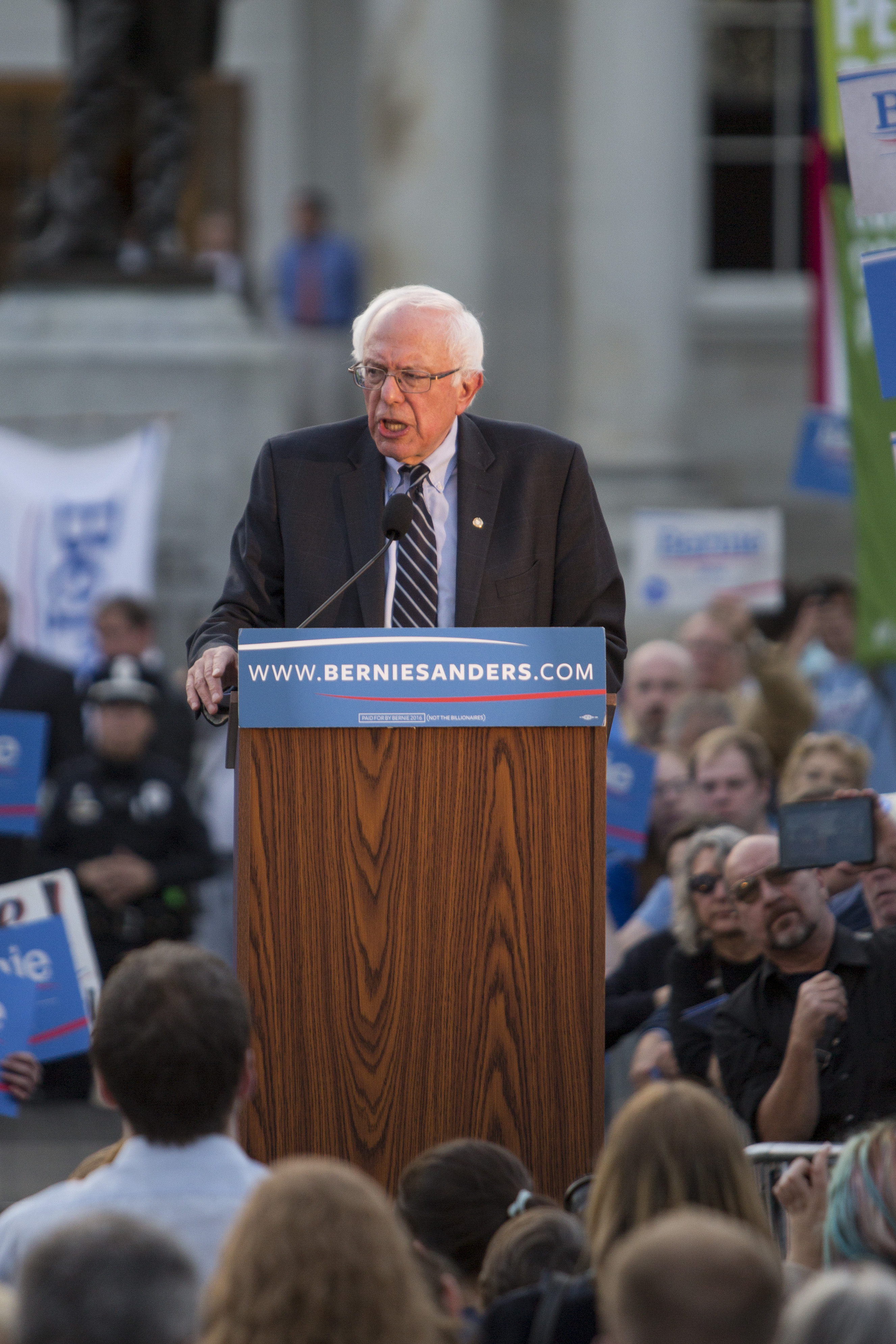 Democratic presidential candidate Sen. Bernie Sanders (I-VT) speaks at a rally after filing paperwork for the New Hampshire primary at the State House on November 5, 2015 in Concord, New Hampshire.