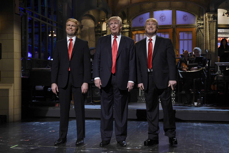 Pictured: (l-r) Taran Killam, Donald Trump, and Darrell Hammond during the monologue on November 7, 2015.