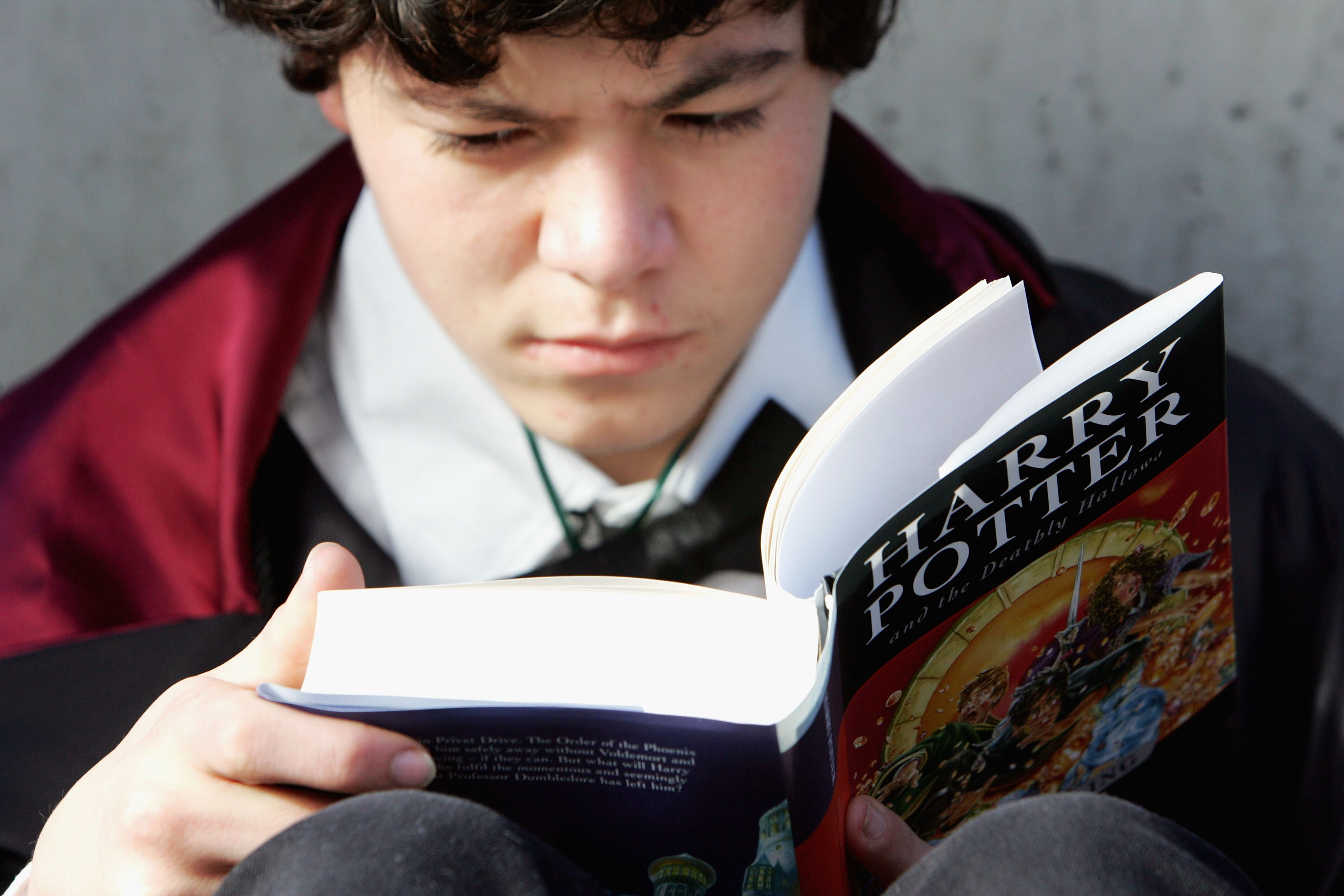 A Harry Potter fan begins to read the final novel by author J.K. Rowling,  Harry Potter and the Deathly Hallows  in 2007.