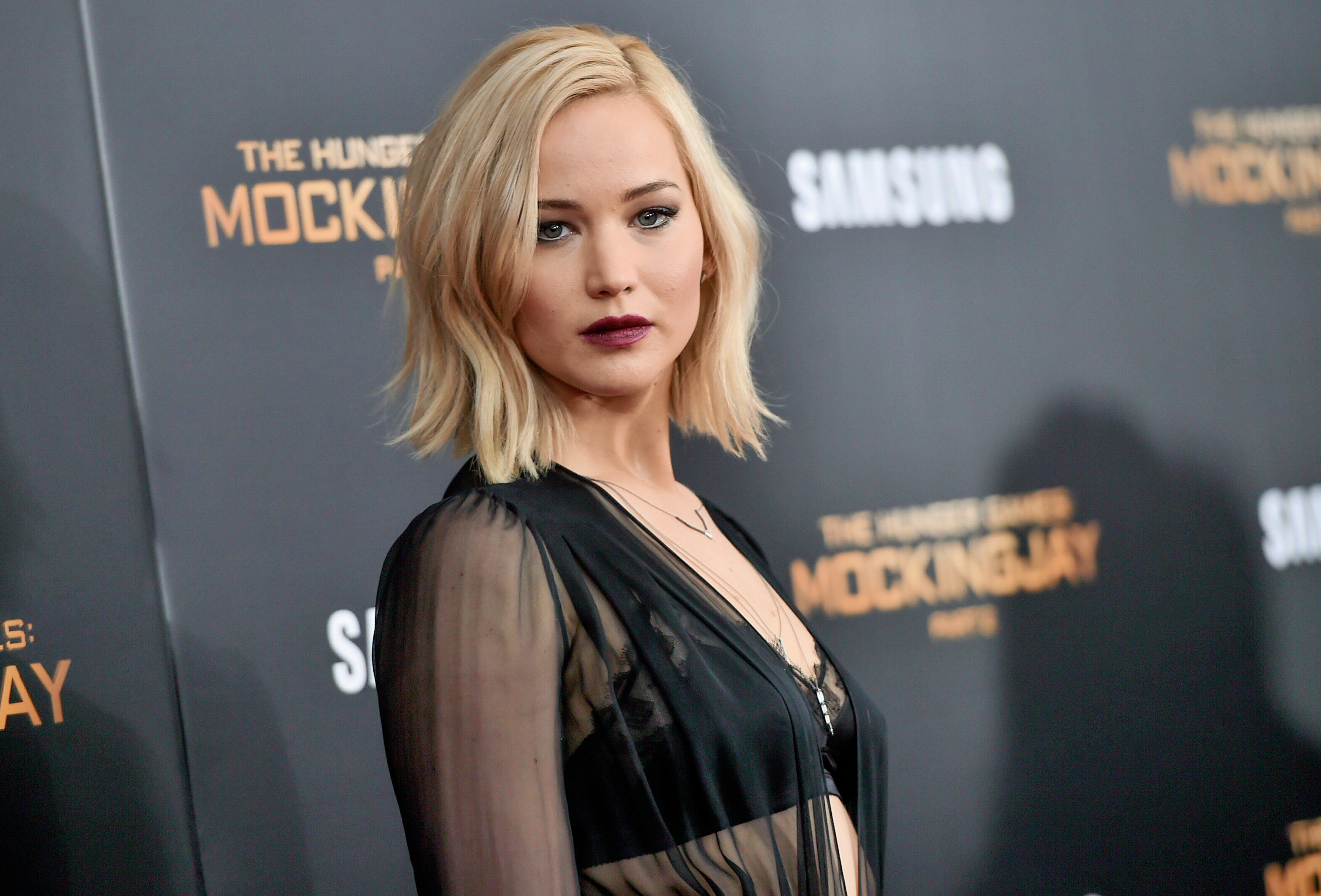 Jennifer Lawrence plans to direct a comedy, signs on for Project Delirium