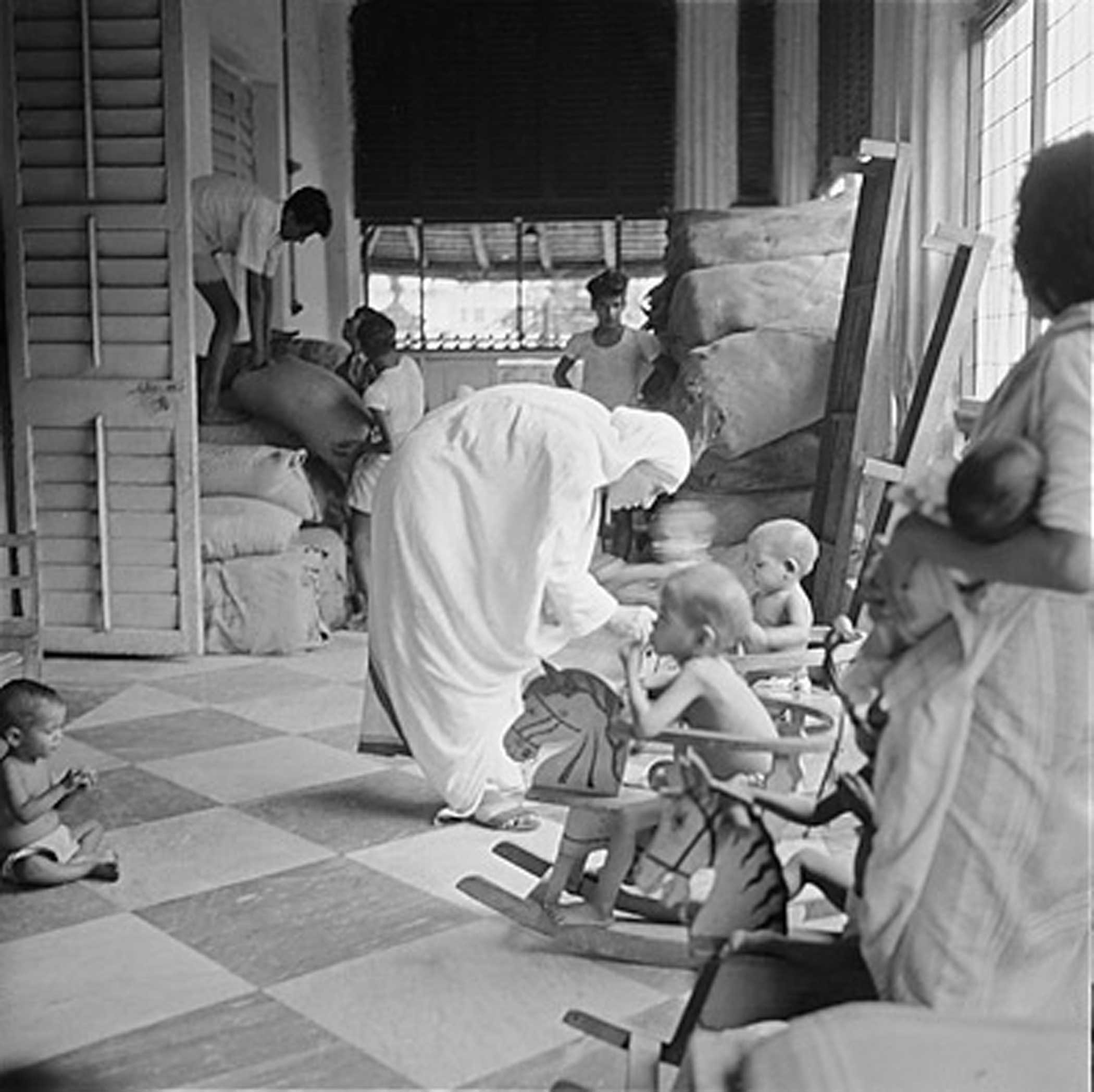In 1957, when these photos were taken, Teresa was little known outside the circle of Calcutta homeless who found refuge in her ministry.