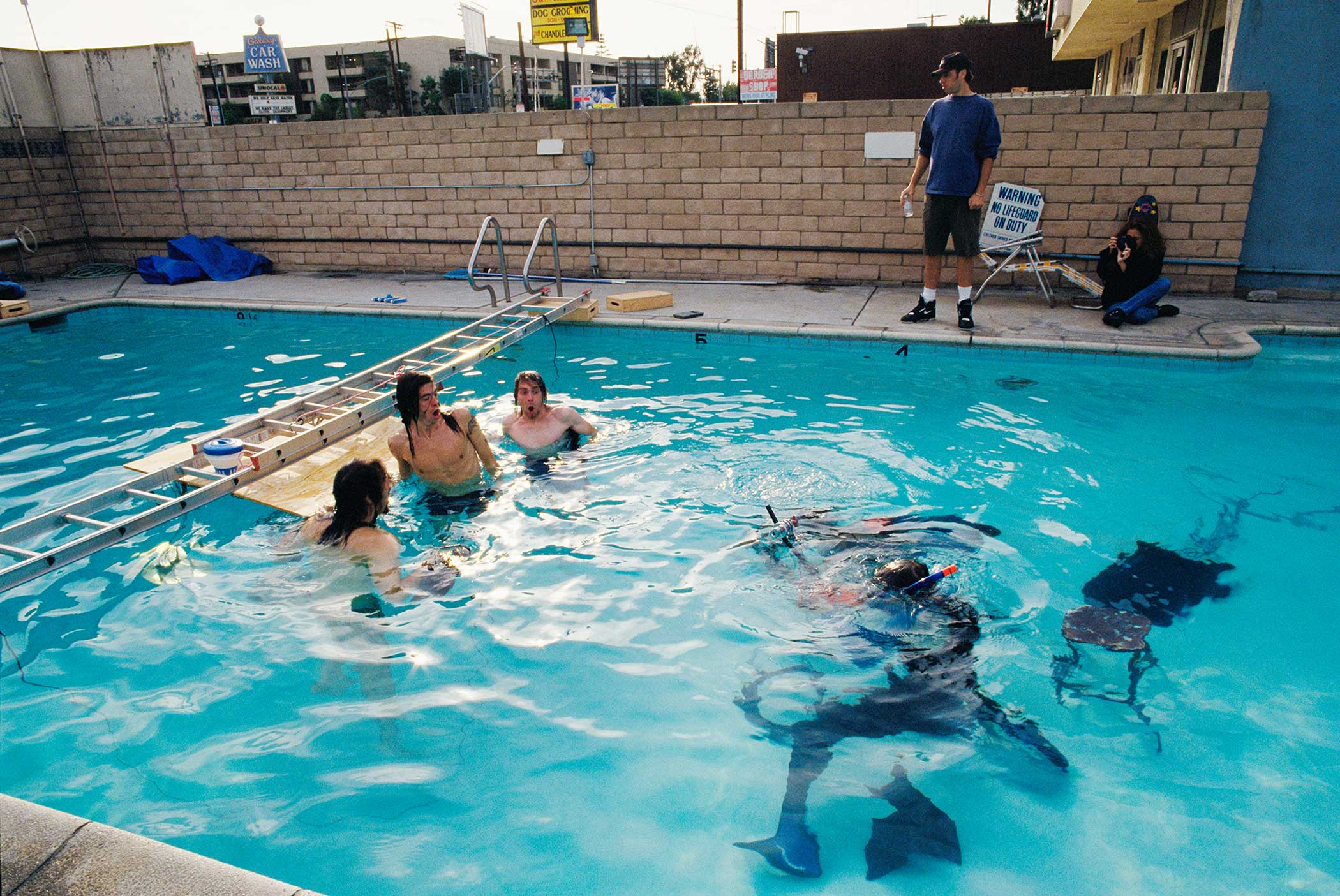 Behind the scenes of Nirvana's Nevermind promo shoot.