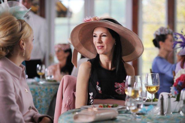 Jill Kargman as Jill in Odd Mom Out.