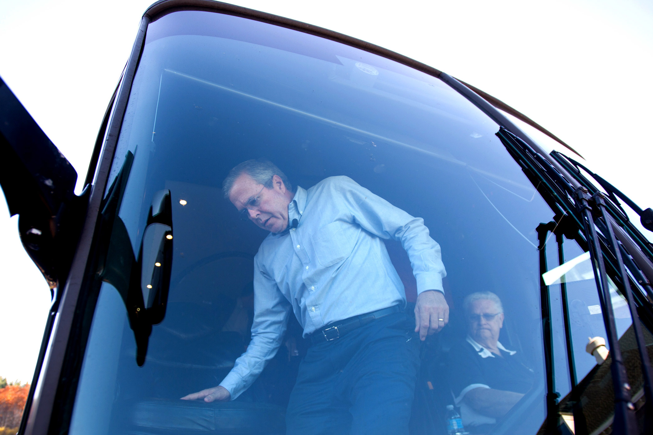 Republican presidential candidate Jeb Bush gets off his campaign bus in Goffstown, N.H. on Nov. 4, 2015.