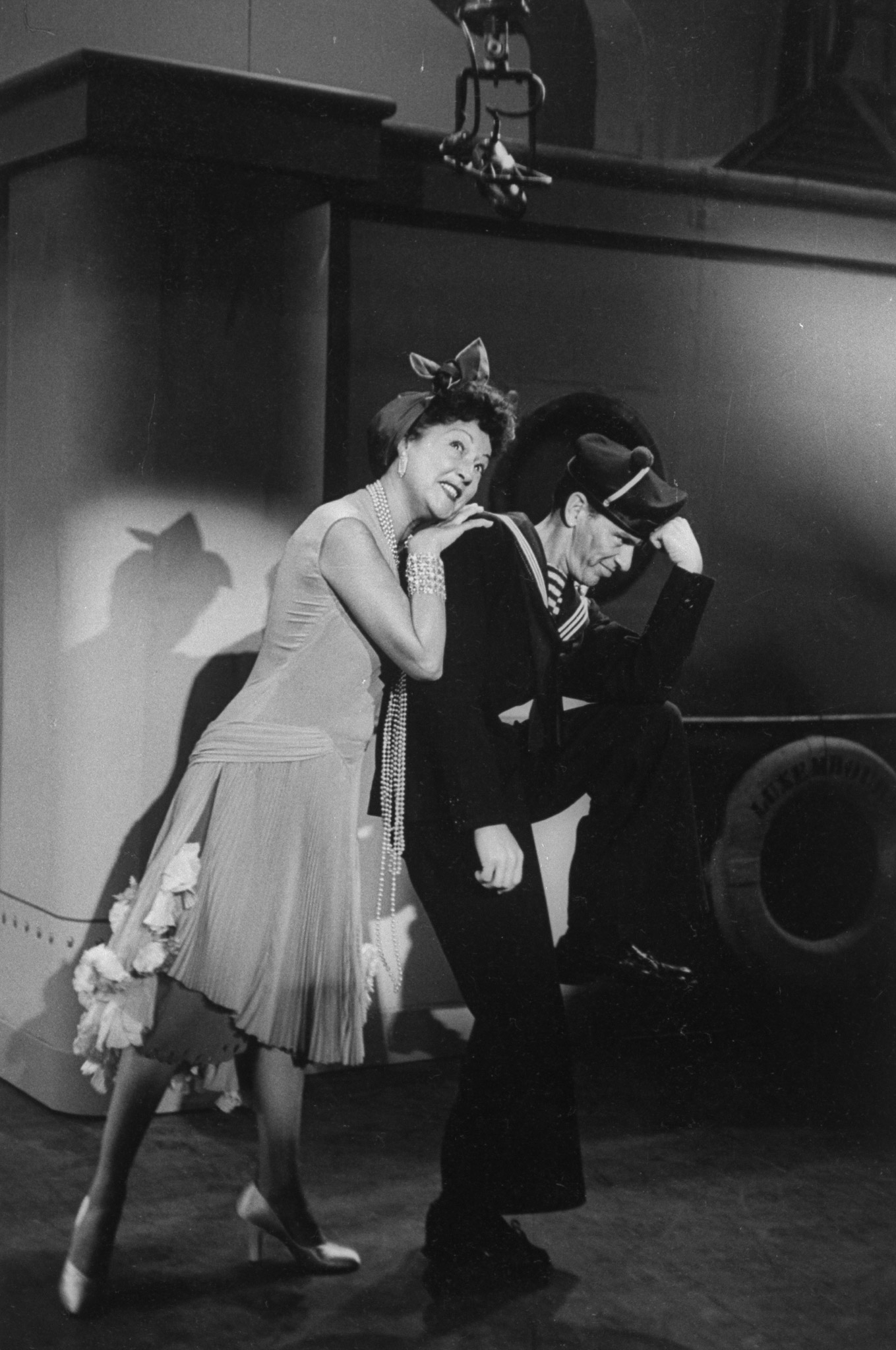 "Ethel Merman and Frank Sinatra singing the duet ""You're the Top"" in a preliminary rehearsal for ""Anything Goes,"" presented on ""The Colgate Comedy Hour,"" 1954."