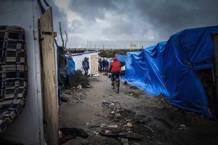 refugees-lives-in-france-harder