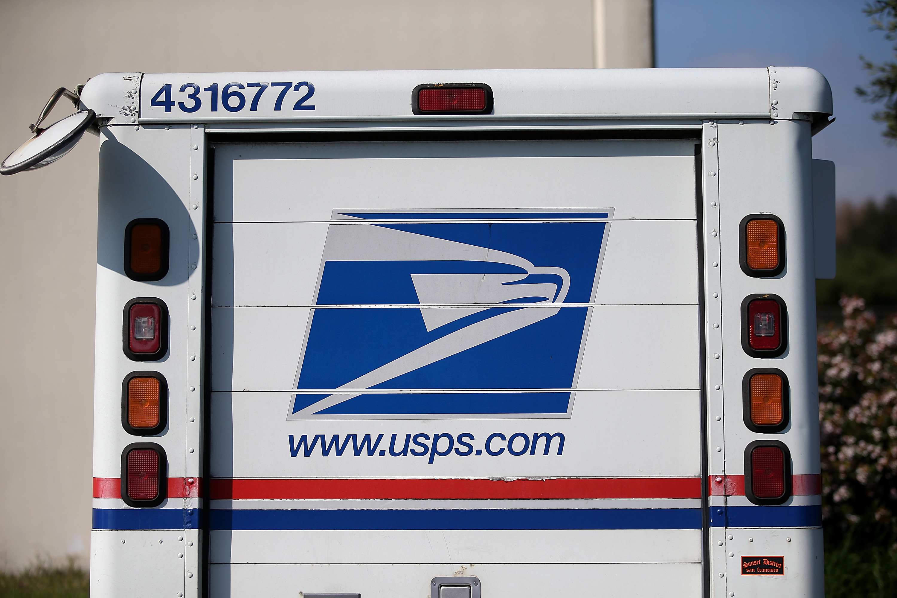 Postal Service Will Email You Pictures Of Your Mail Time