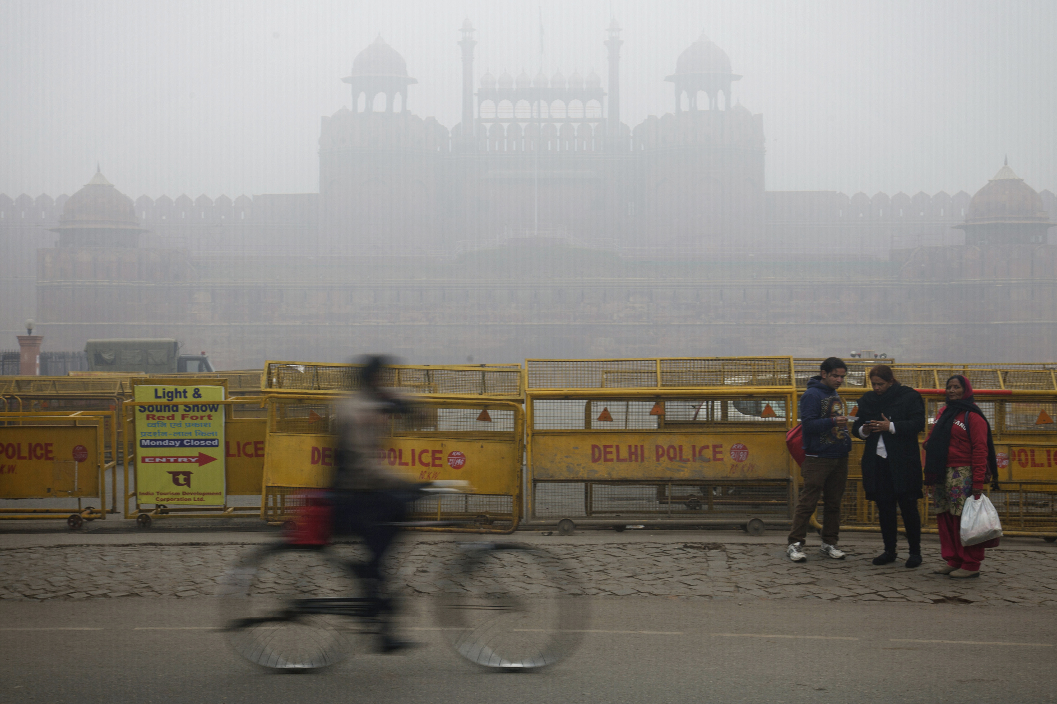 The Red Fort is covered by haze mainly caused by air pollution in New Delhi on Jan. 20, 2014