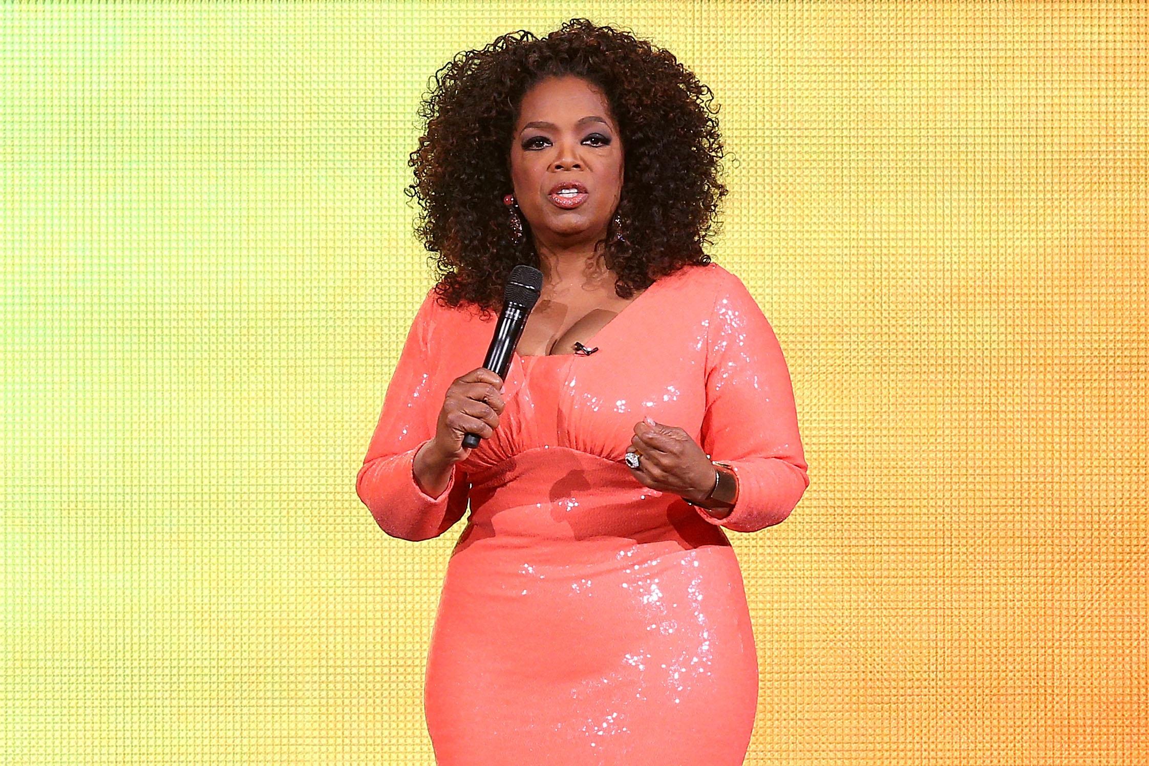 Oprah Winfrey talks on stage during her An Evening With Oprah tour on December 2, 2015 in Melbourne, Australia.
