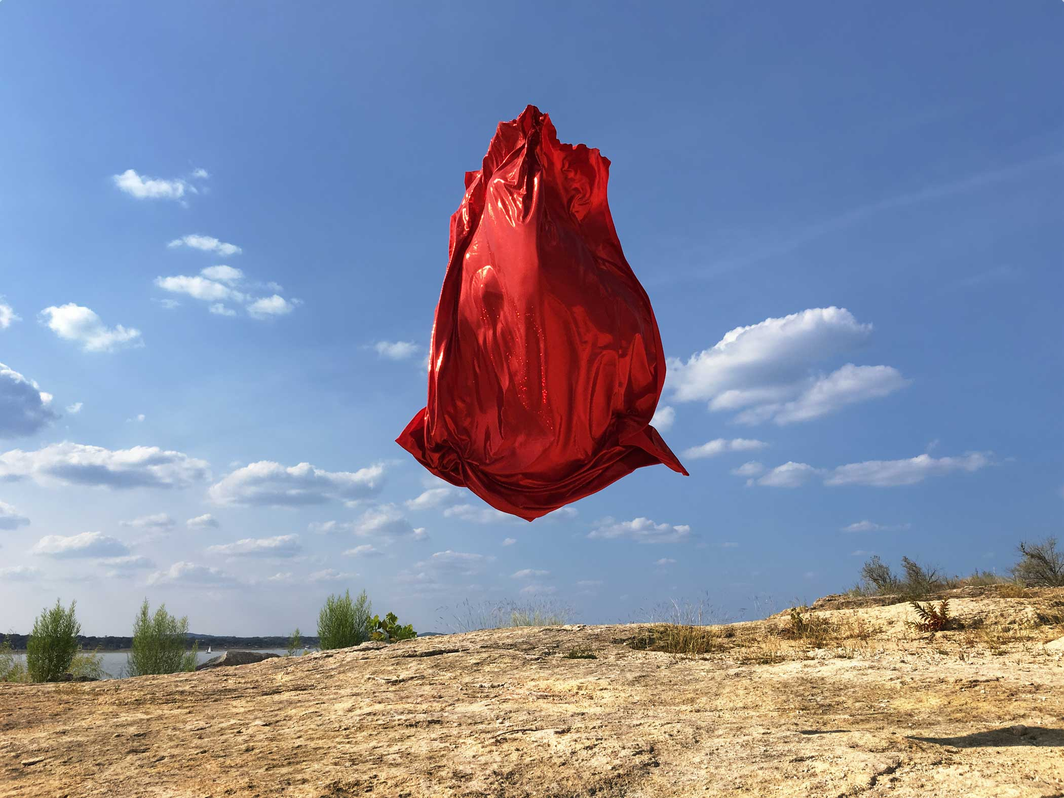 In Oneironaut, William Hundley uses the iPhone 6s Plus, a vivid piece of fabric, and an athletic friend to create the illusion of a floating object. The result is an unedited photo that's vibrant, bold, and magical.
