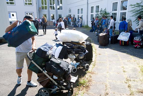 Arrival of refugees and asylum seekers in the Bonn Ermekeil barracks. Ulrich Baumgarten