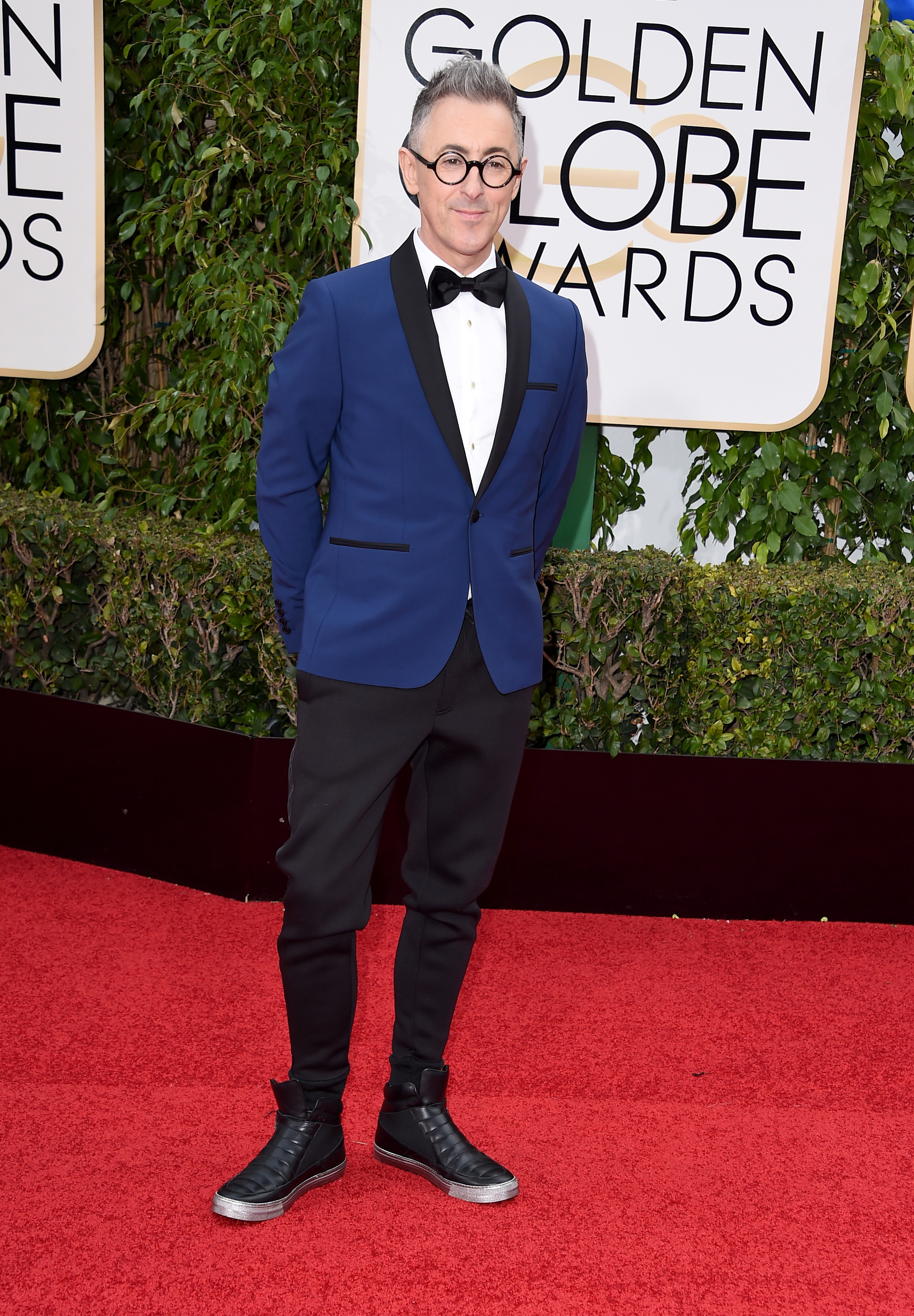 Alan Cumming arrives to the 73rd Annual Golden Globe Awards on Jan. 10, 2016 in Beverly Hills.