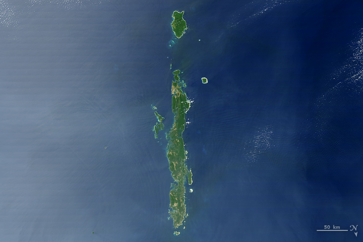 I: The Moderate Resolution Imaging Spectroradiometer (MODIS) on NASA's Terra satellite captured this image of the Andaman Islands on Feb. 10, 2007.
