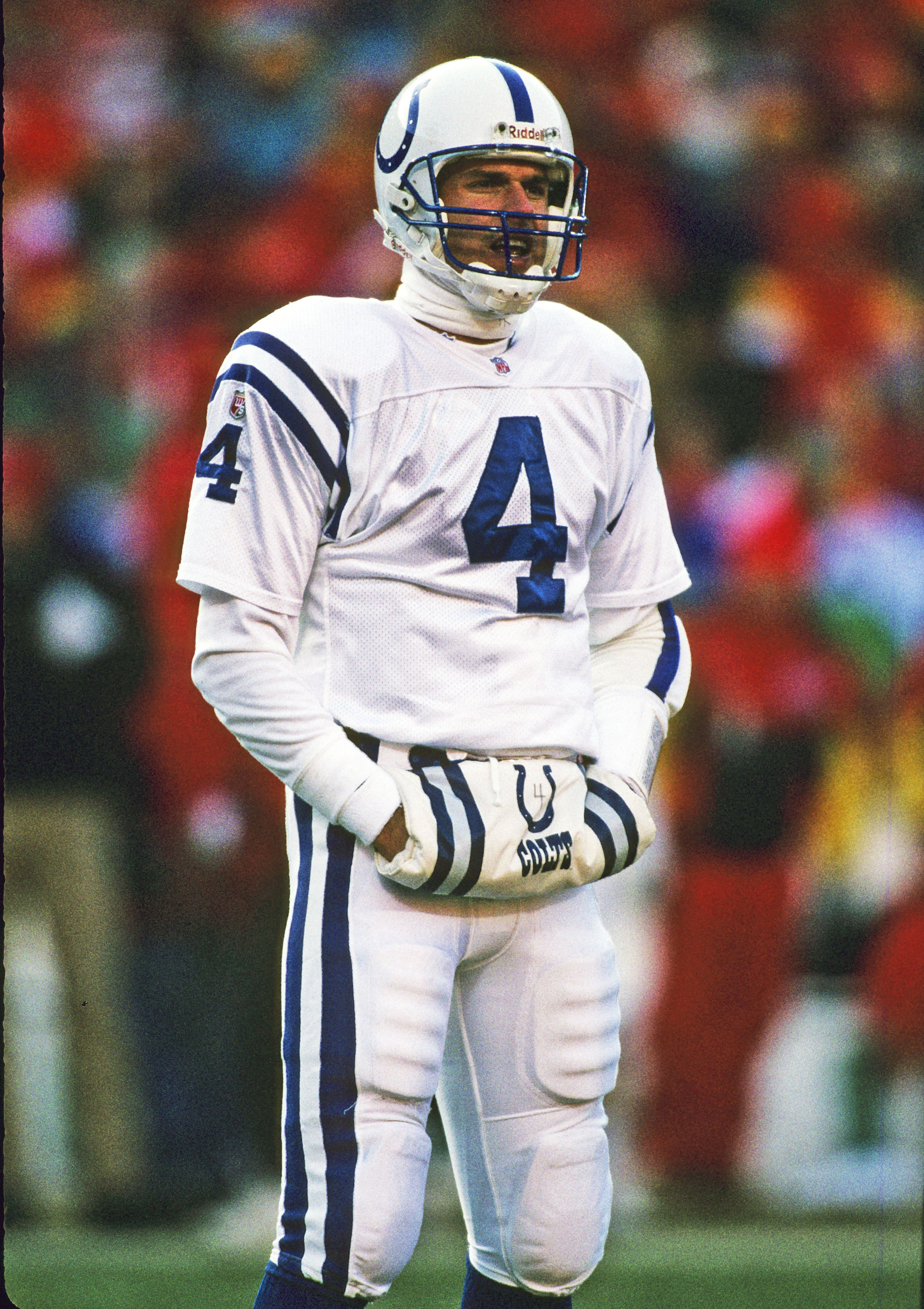 Temperature: -6°F. On Jan. 7, 1996, the Indianapolis Colts faced the Kansas City Chiefs in an NFL football playoff game. Here, quarterback Jim Harbaugh warms his hands at Arrowhead Stadium in Kansas City, Mo.