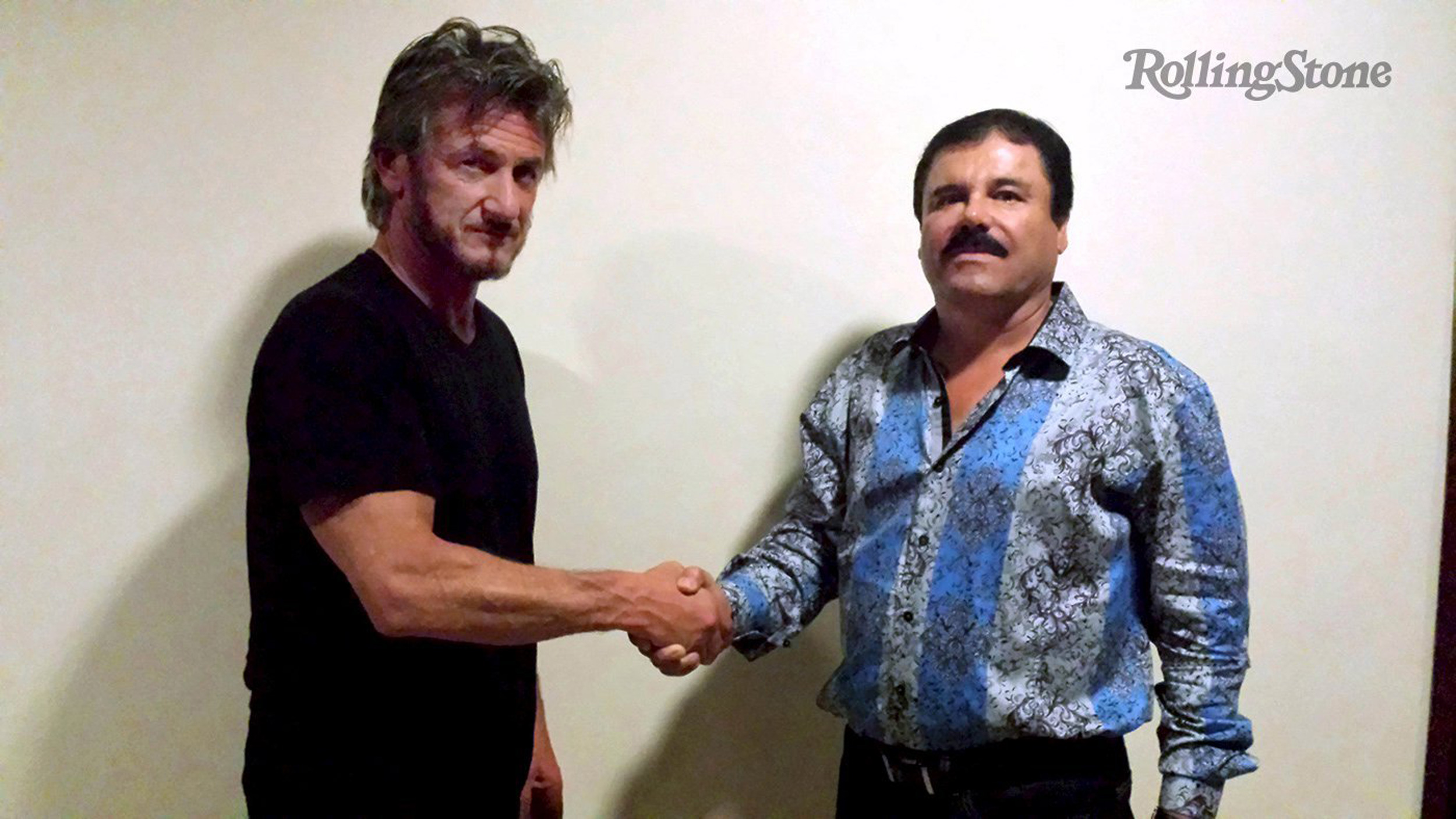 Sean Penn shakes hands with Mexican drug lord and then-fugitive Joaquín  El Chapo  Guzmán Loera on Oct. 2, 2015