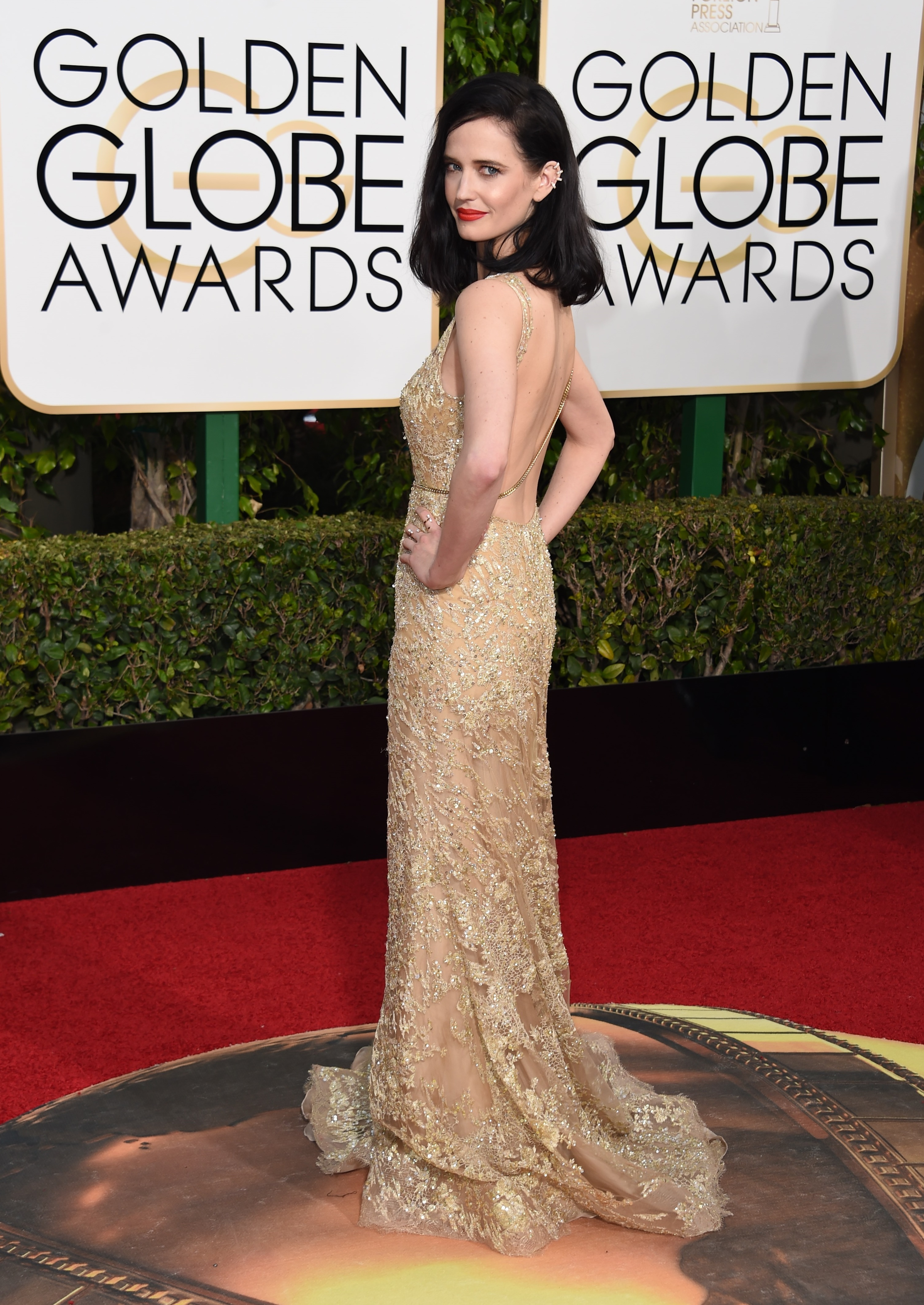 Eva Green arrives to the 73rd Annual Golden Globe Awards on Jan. 10, 2016 in Beverly Hills.