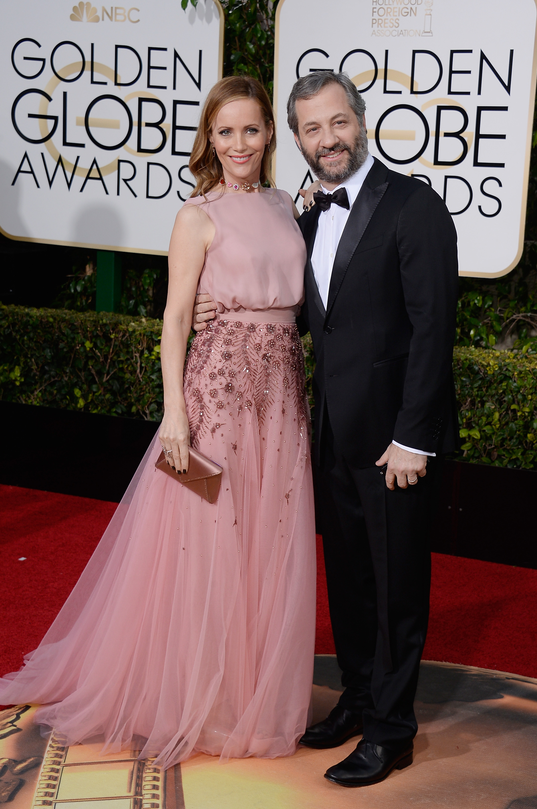 Leslie Mann and Judd Apatow arrive to the 73rd Annual Golden Globe Awards on Jan. 10, 2016 in Beverly Hills.