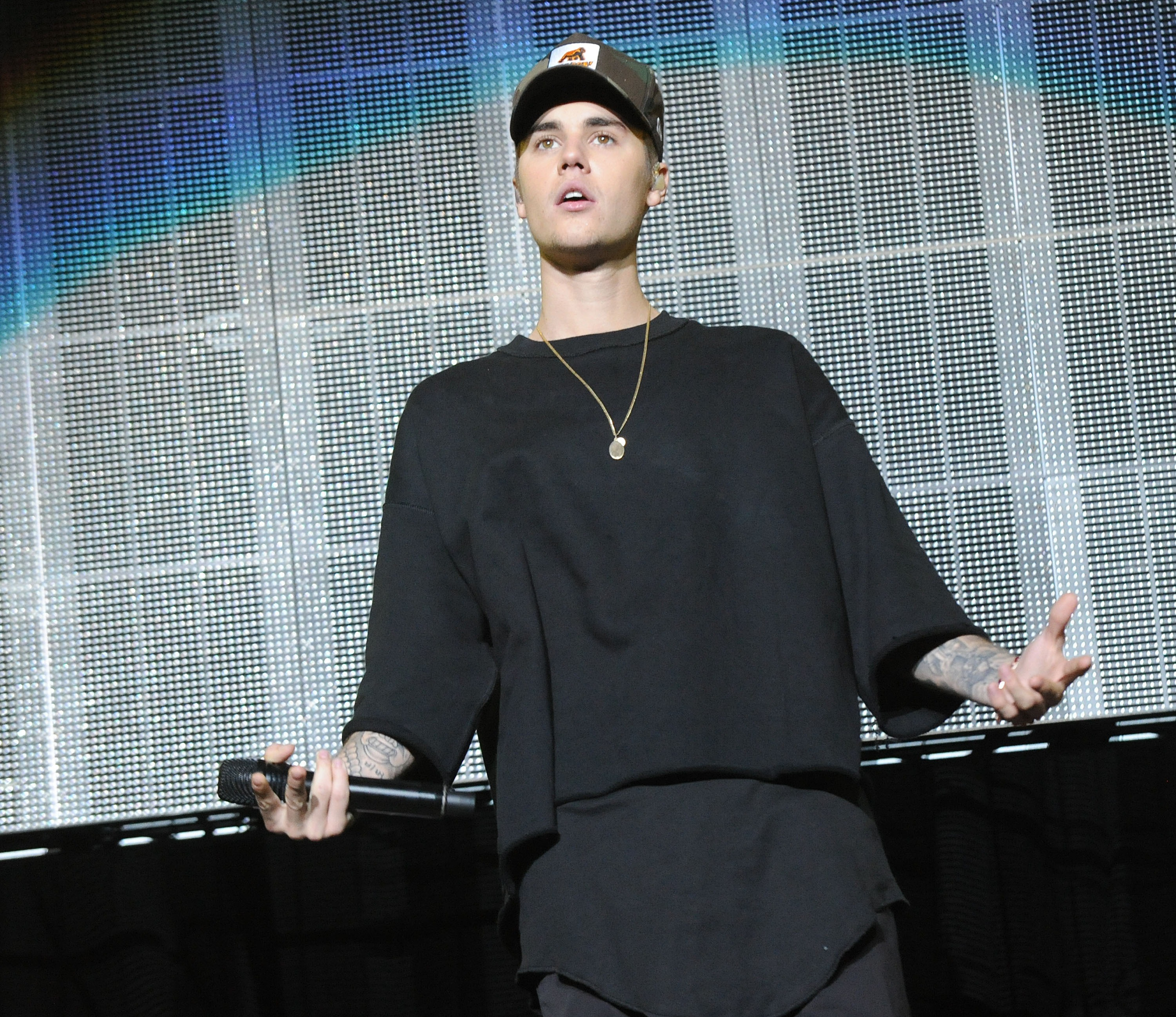 ustin Bieber performs during Power 96.1's Jingle Ball 2015 at Philips Arena on December 17, 2015 in Atlanta, Georgia.