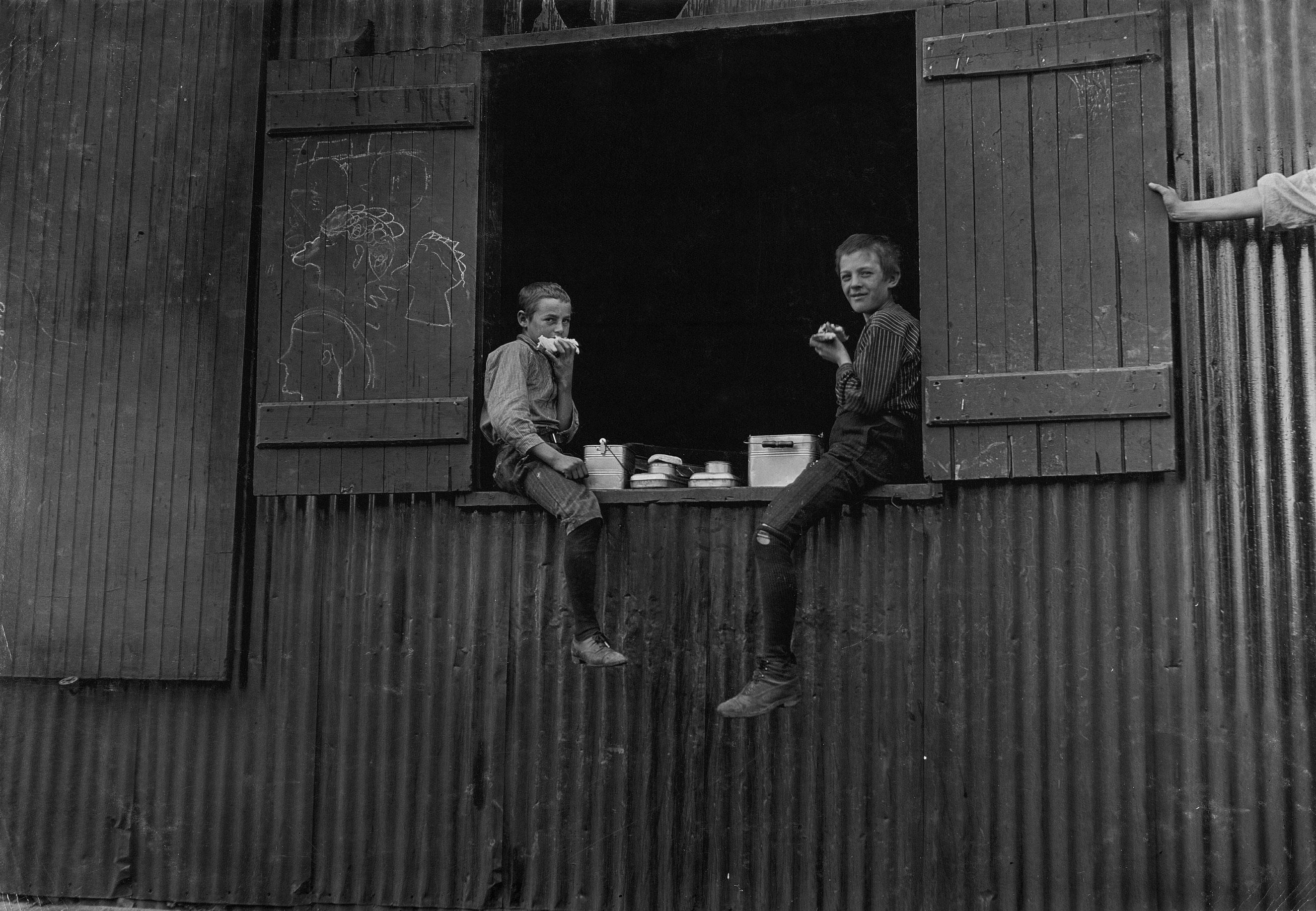 Lunch Time, Economy Glass Works, Morgantown, W. Va. Plenty more like this, inside. Oct. 1908. Morgantown, West Virginia.