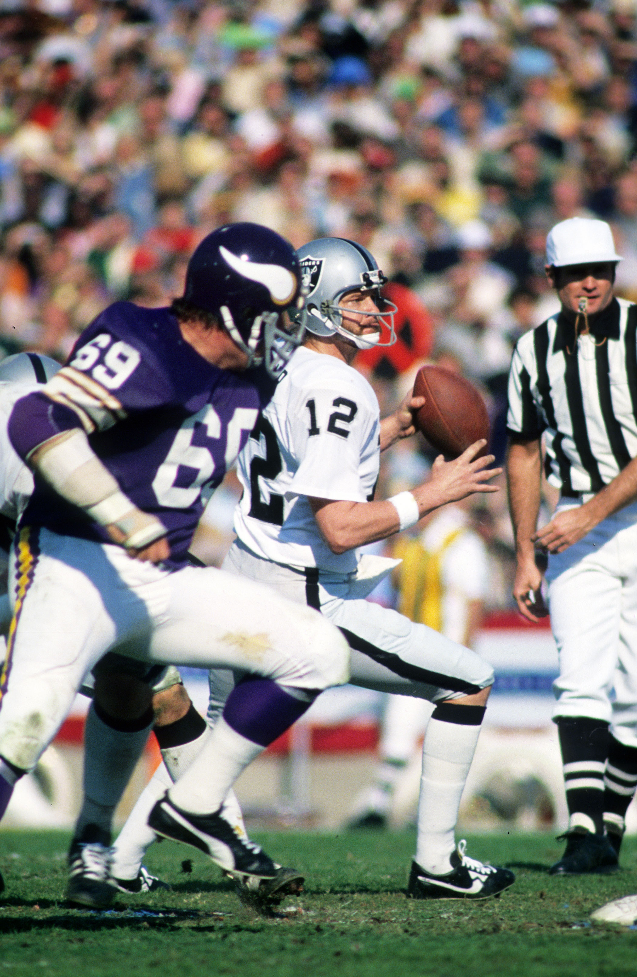 Super Bowl XI, Jan. 9, 1977                               Oakland Raiders vs Minnesota Vikings in Pasadena, Calif.