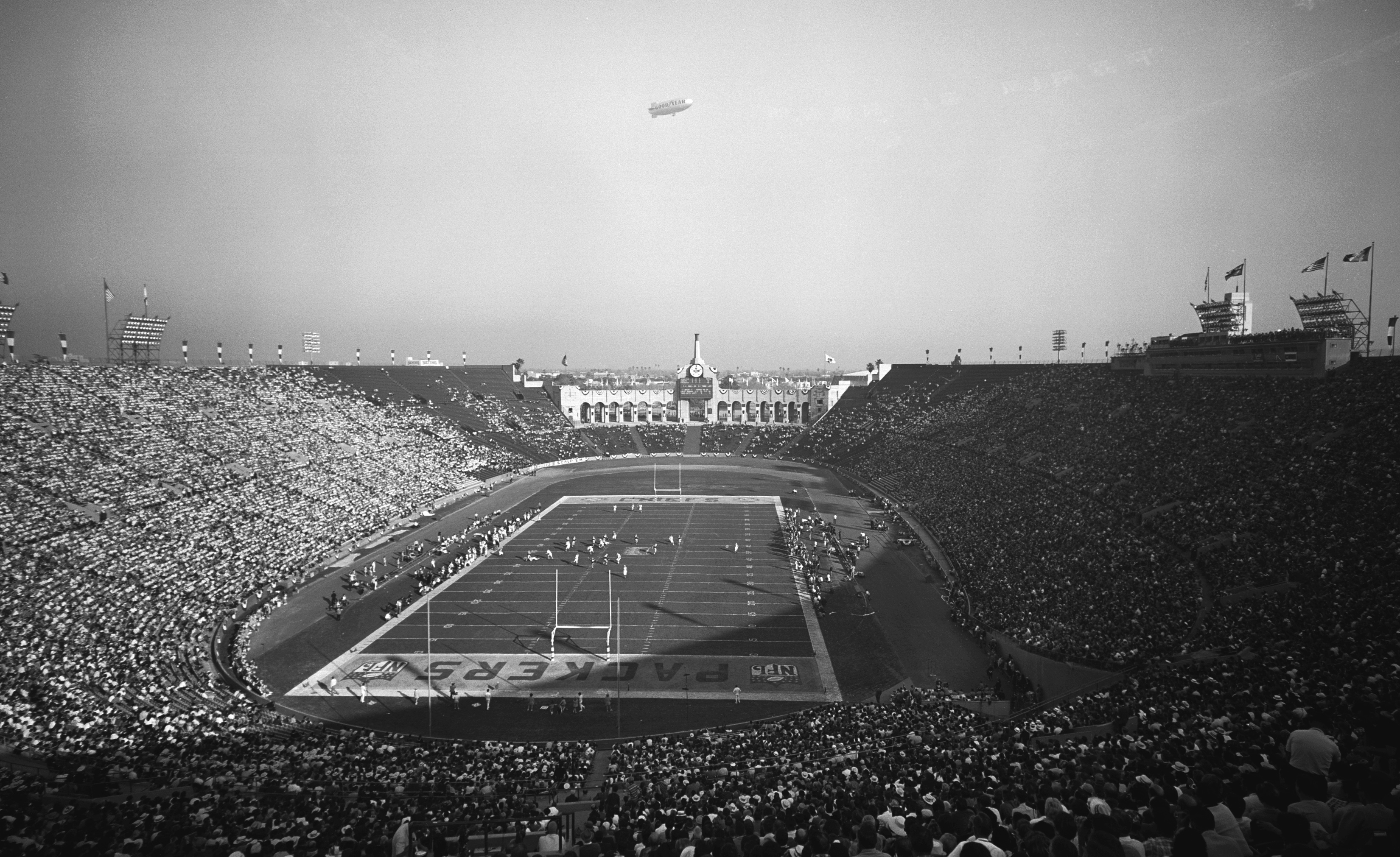 LOS ANGELES - JANUARY 15: The First World Championship Game, AFL vs. NFL, later known as Super Bowl I, on January 15, 1967 at the Los Angeles Memorial Coliseum in Los Angeles, California. (Photo by CBS via Getty Images)