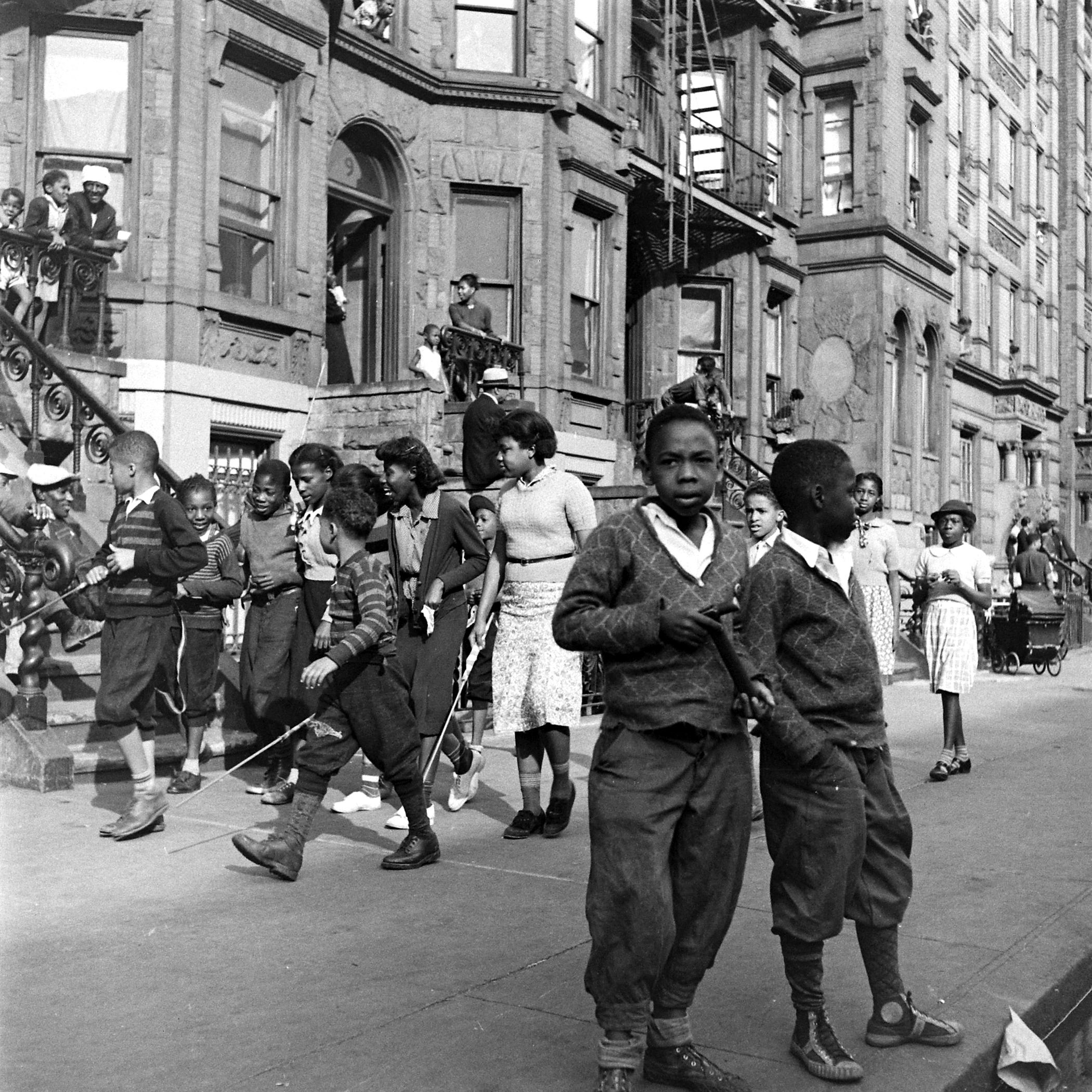 Children on a Harlem street, 1938.