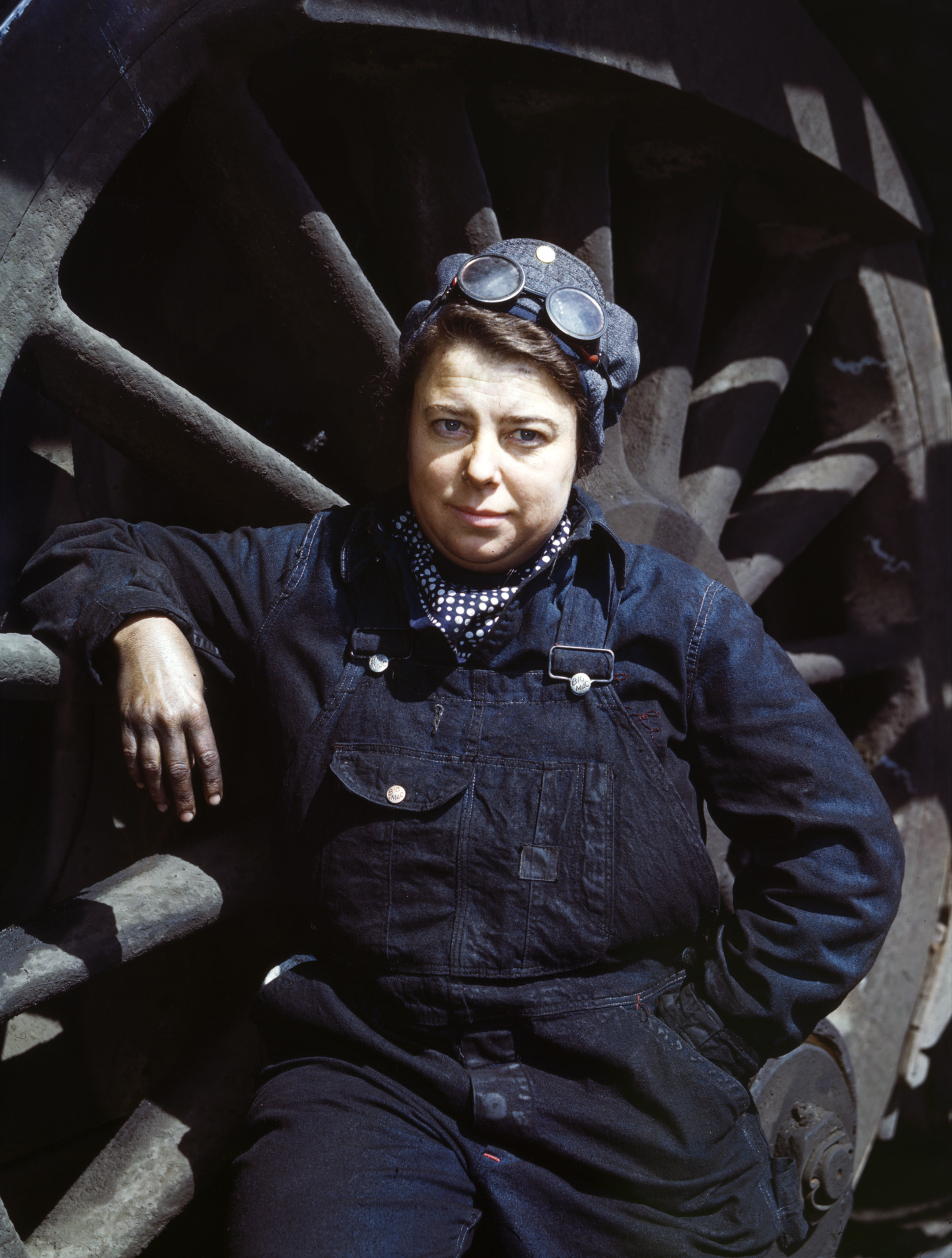 Chicago and North Western Railway Company, Mrs. Dorothy Lucke, employed as a wiper at the roundhouse, Clinton, Iowa, April 1943. Photographed by Jack Delano for the Farm Security Administration.