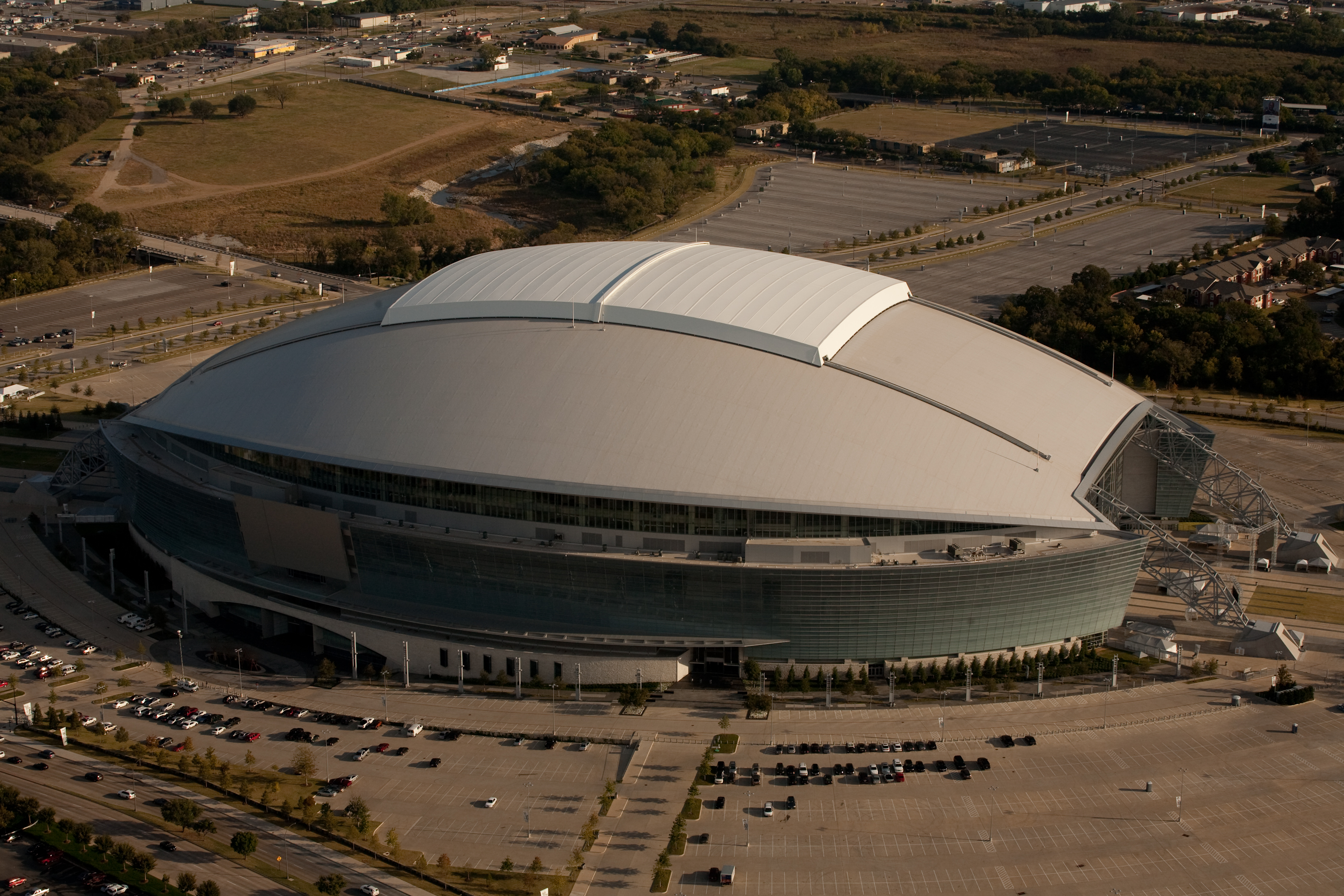 Opened in 2009, the Cowboys Stadium in Arlington, Texas is the home of the Dallas Cowboys. Featuring a retractable roof, the venue seats 80,000 and is the fourth largest stadium in the NFL. The Stadium hosted Super Bowl XLV between the Pittsburgh Steelers and the Green Bay Packers on Sunday, February 6, 2011.