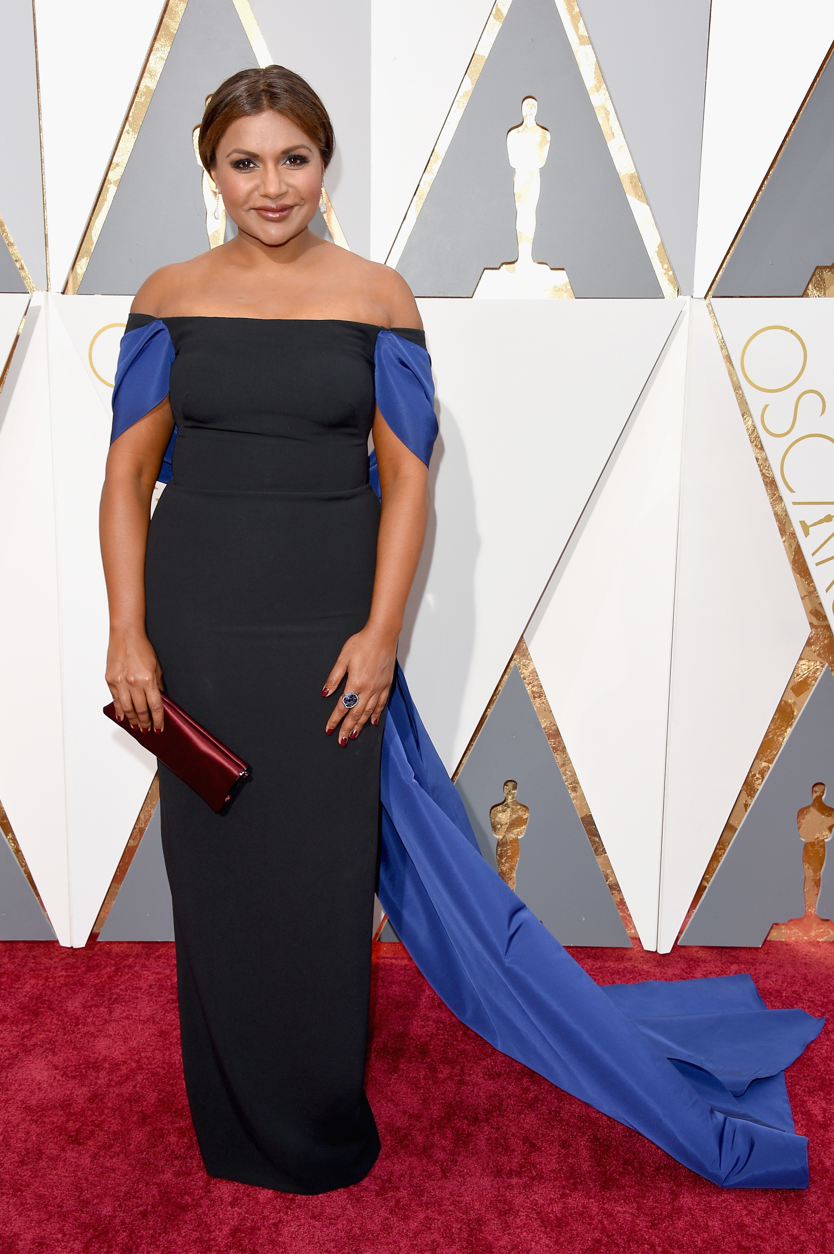 Mindy Kaling attends the 88th Annual Academy Awards on Feb. 28, 2016 in Hollywood, Calif.