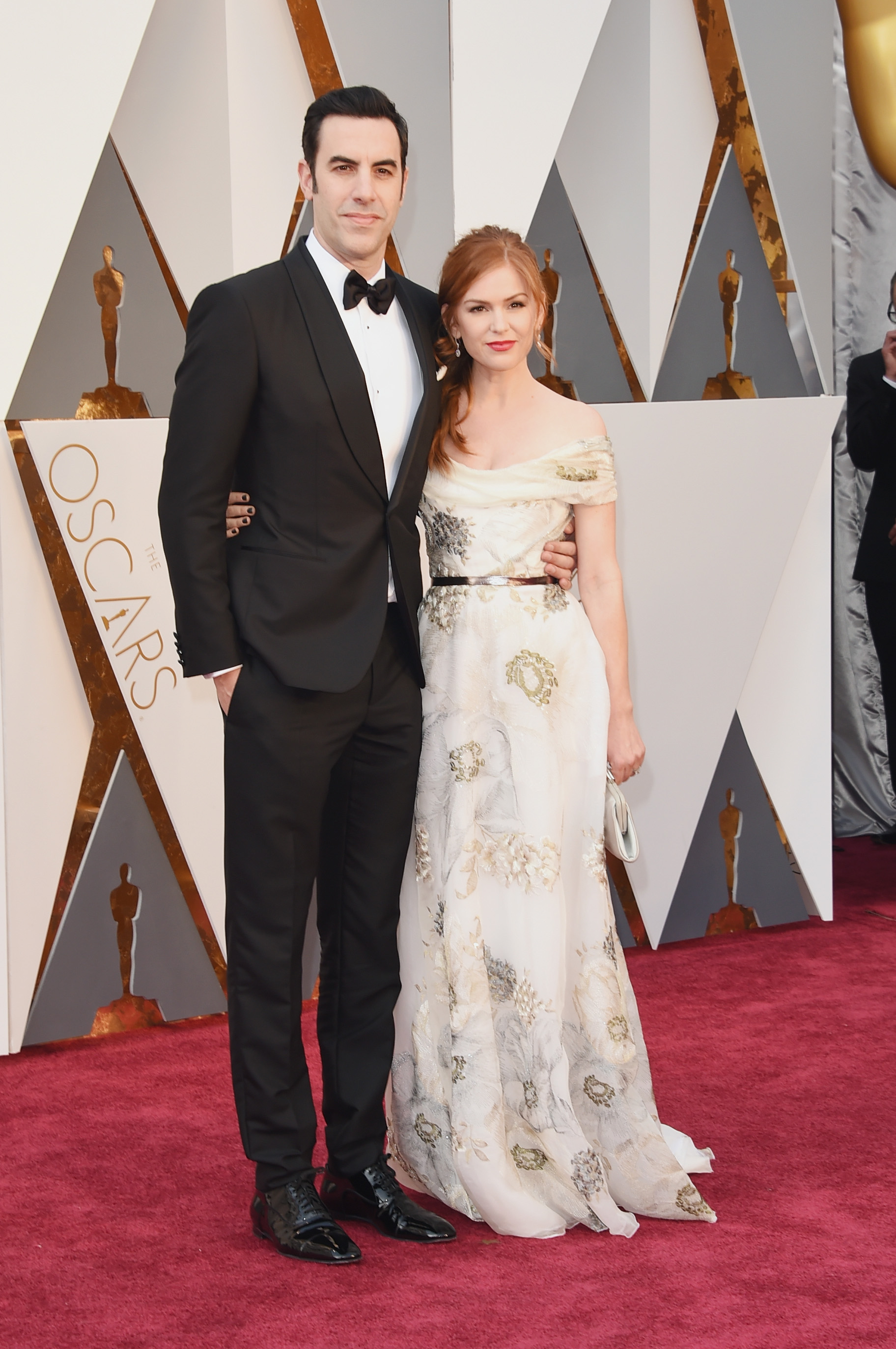 Sacha Baron Cohen and Isla Fisher attend the 88th Annual Academy Awards on Feb. 28, 2016 in Hollywood, Calif.