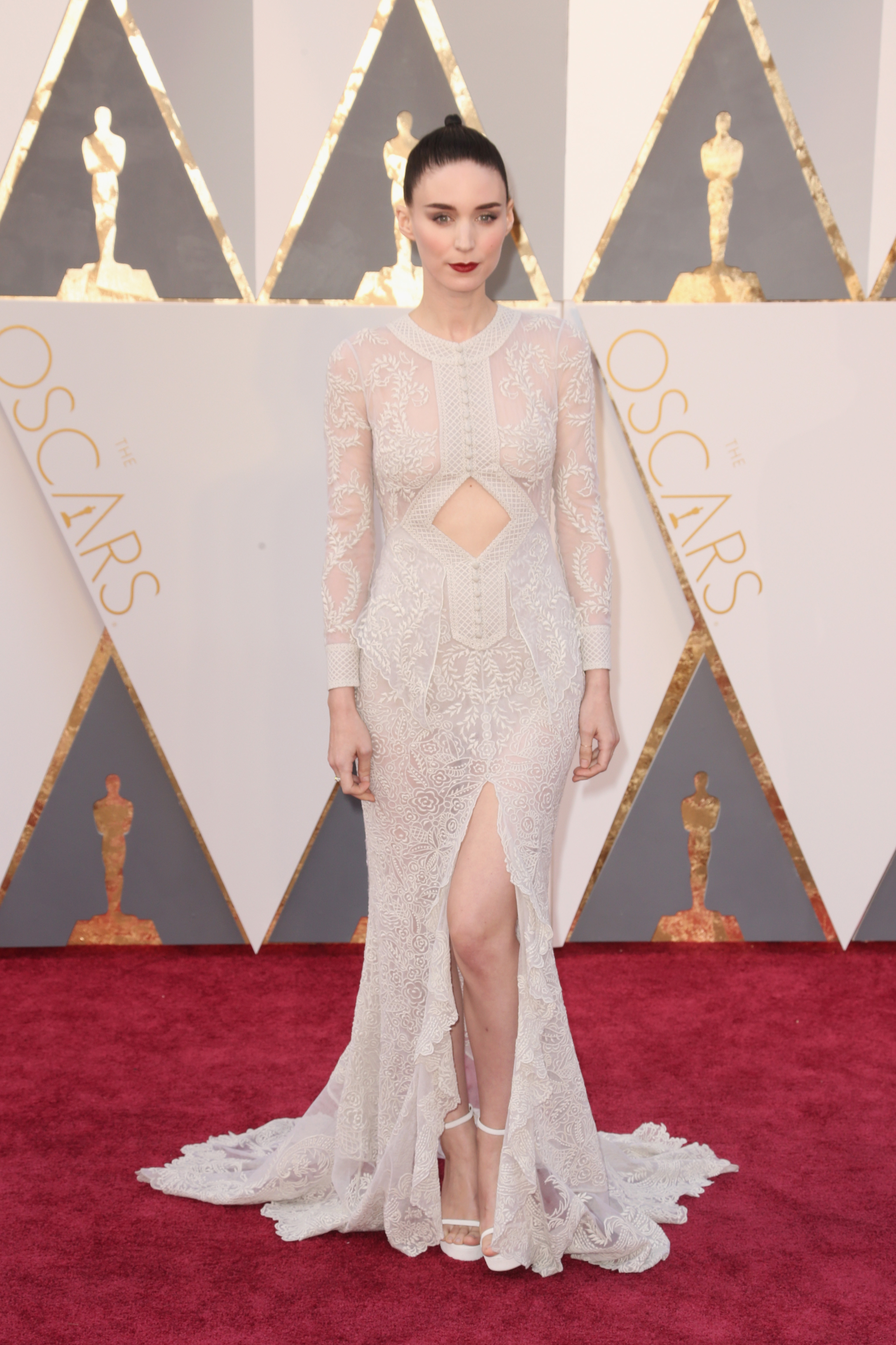 Rooney Mara attends the 88th Annual Academy Awards on Feb. 28, 2016 in Hollywood, Calif.