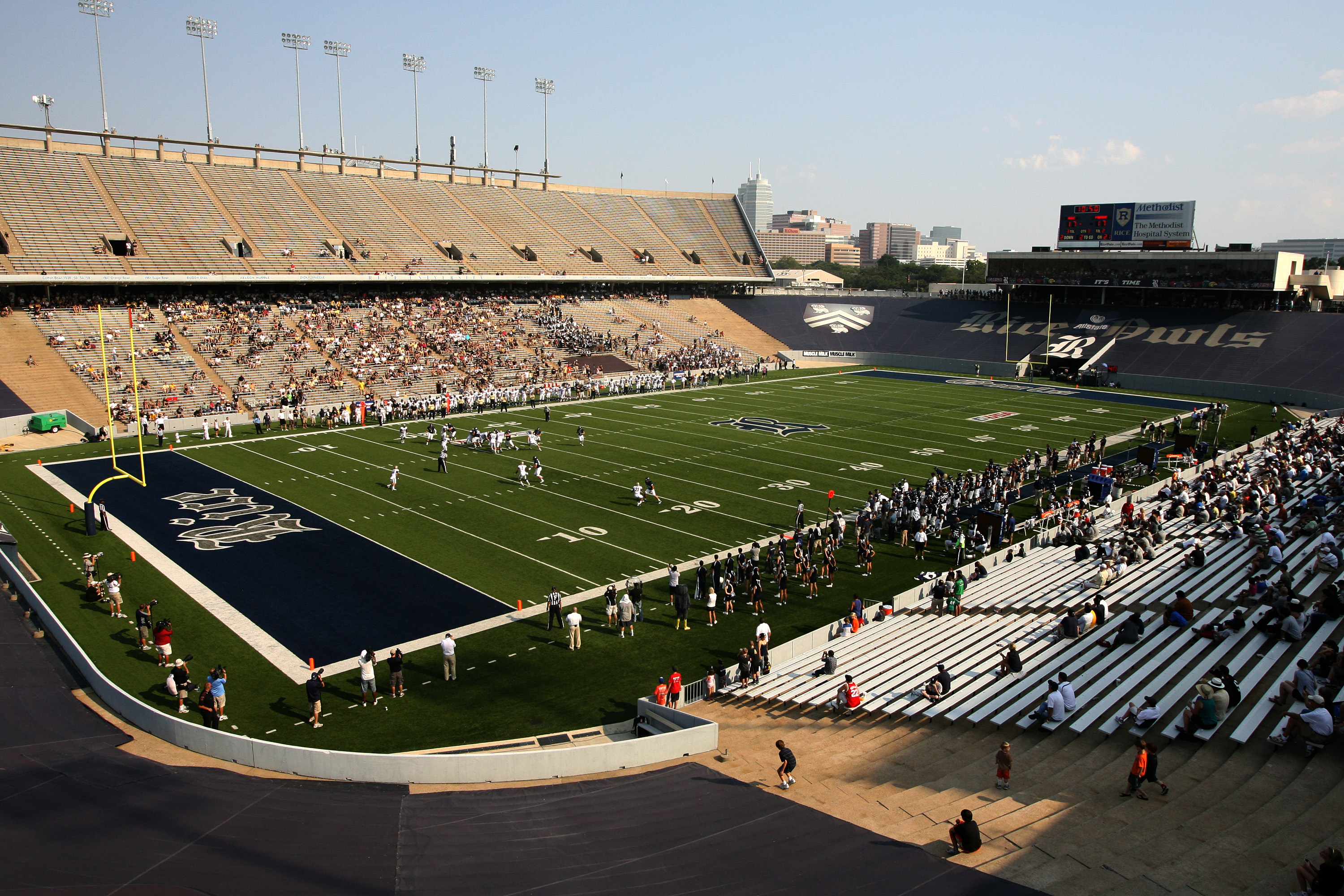 Home of the Rice University football team, the Owls, since 1950 when it first opened, this stadium also served as a backdrop for President John F. Kennedy's famous speech in 1962 challenging America to place a man on the moon.